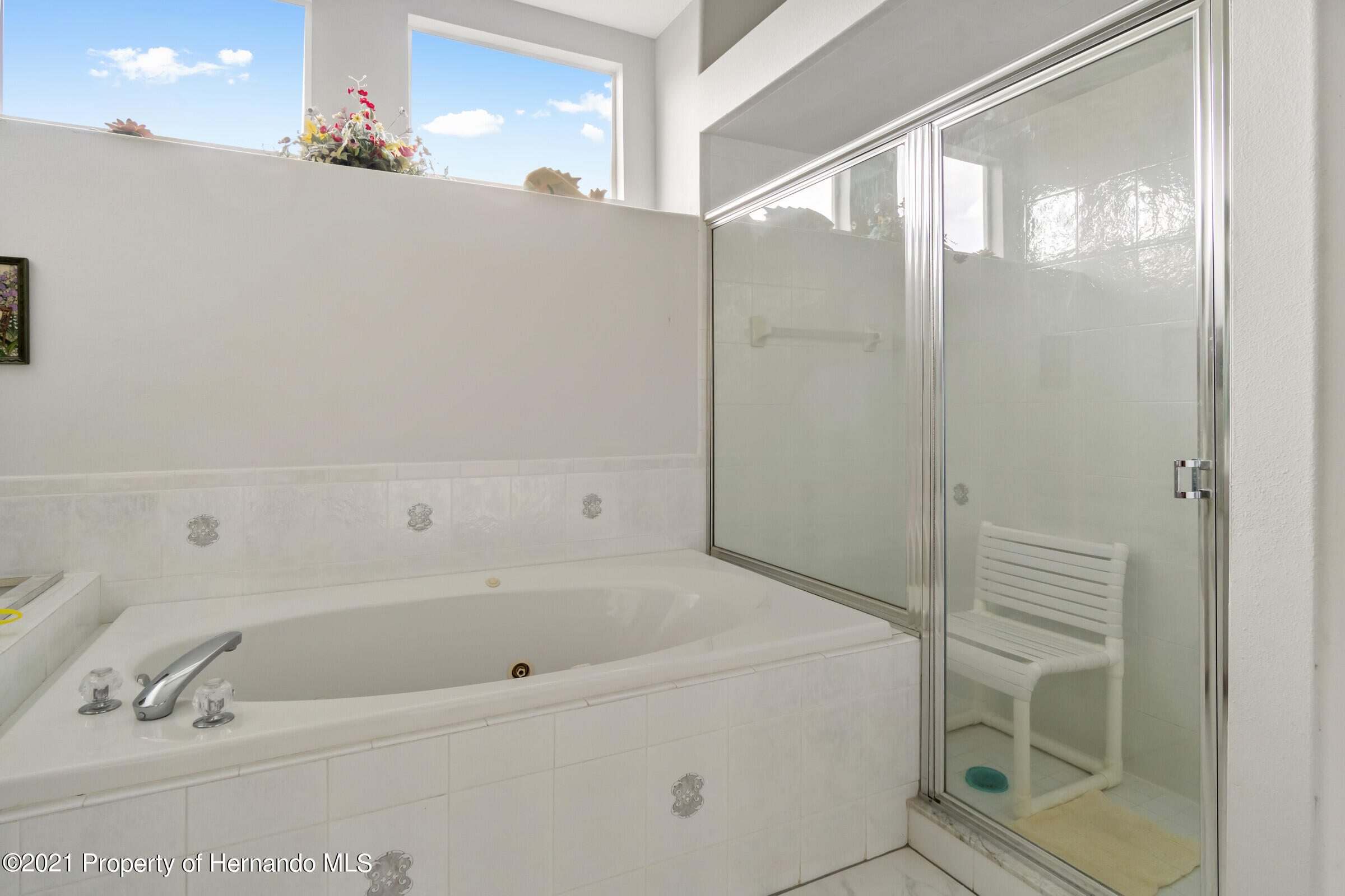 Listing photo id 35 for 4037 Breckland Court