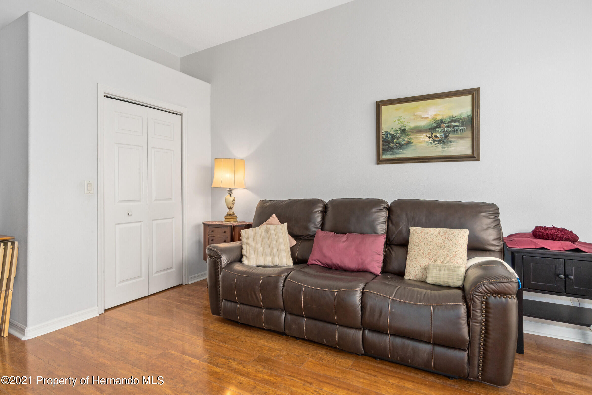 Listing photo id 36 for 4037 Breckland Court