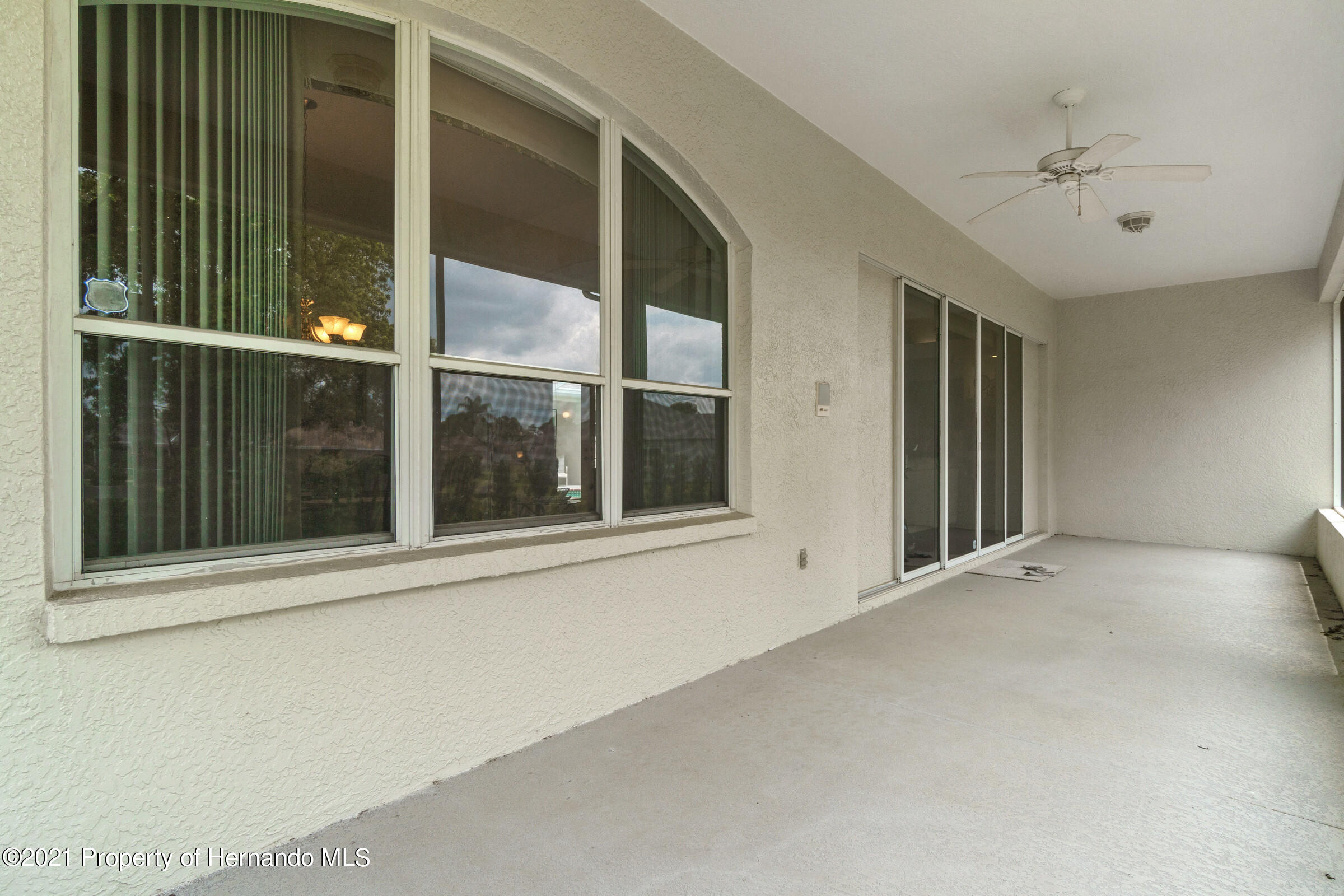 Listing photo id 40 for 4037 Breckland Court