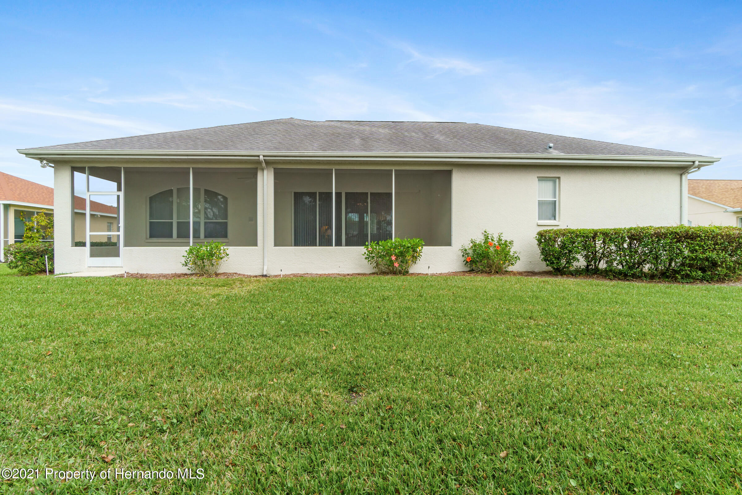 Listing photo id 42 for 4037 Breckland Court