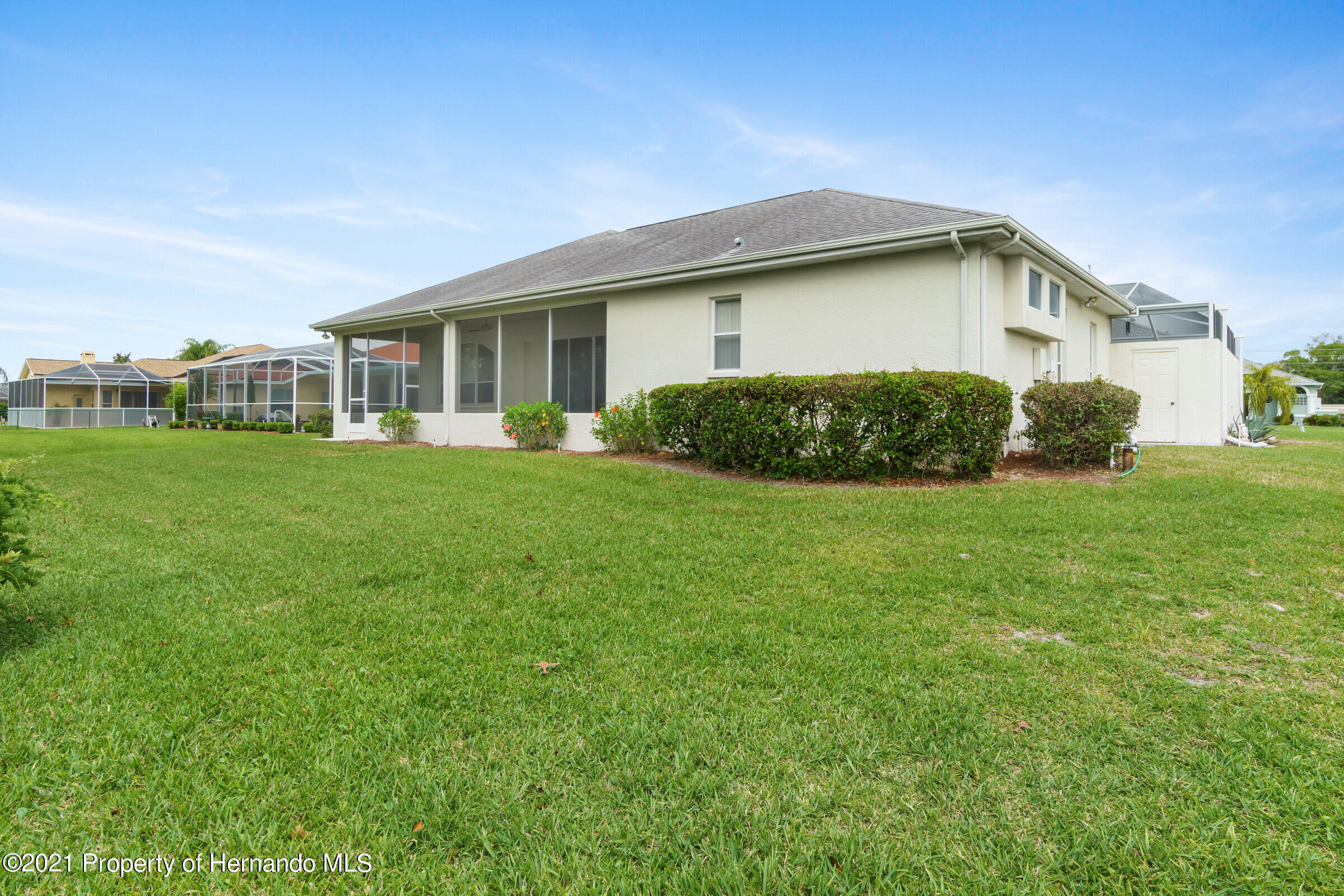 Listing photo id 43 for 4037 Breckland Court