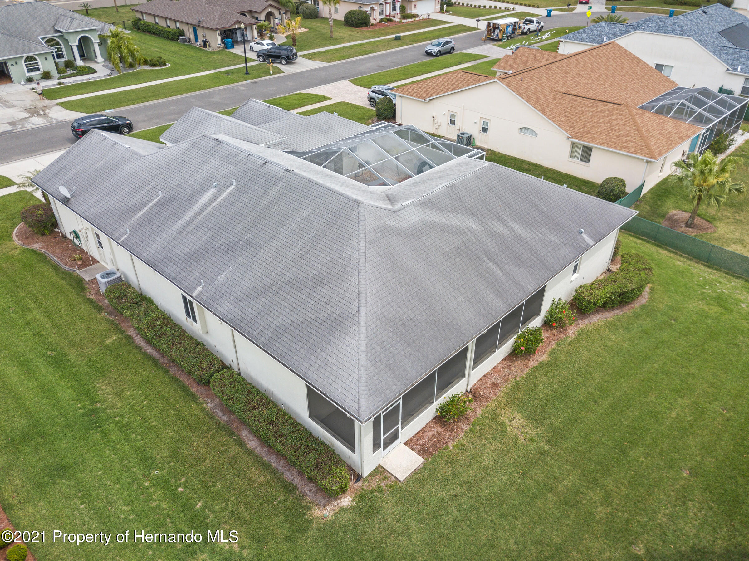 Listing photo id 44 for 4037 Breckland Court