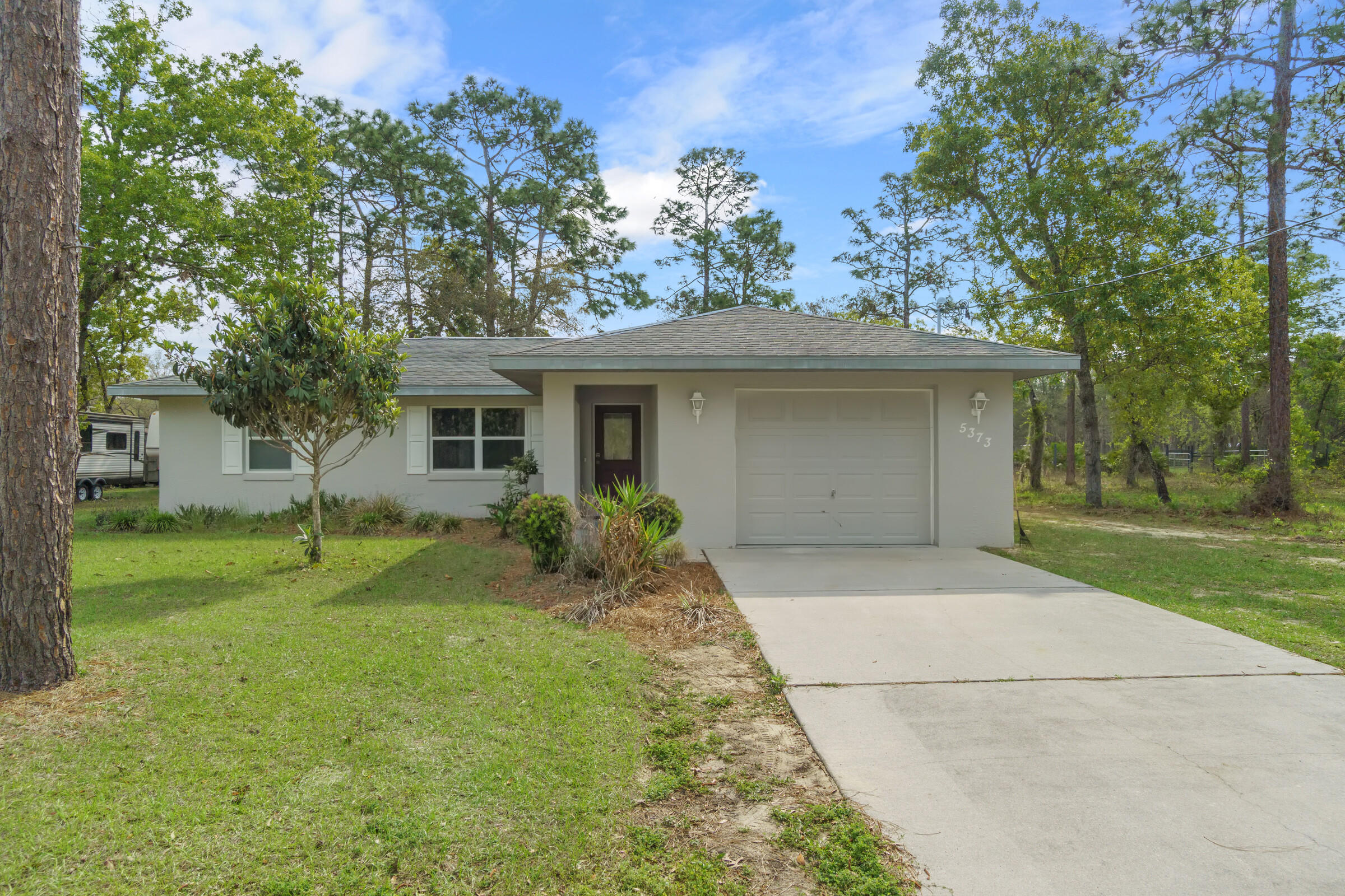 Listing photo id 2 for 5373 S Heloise Terrace