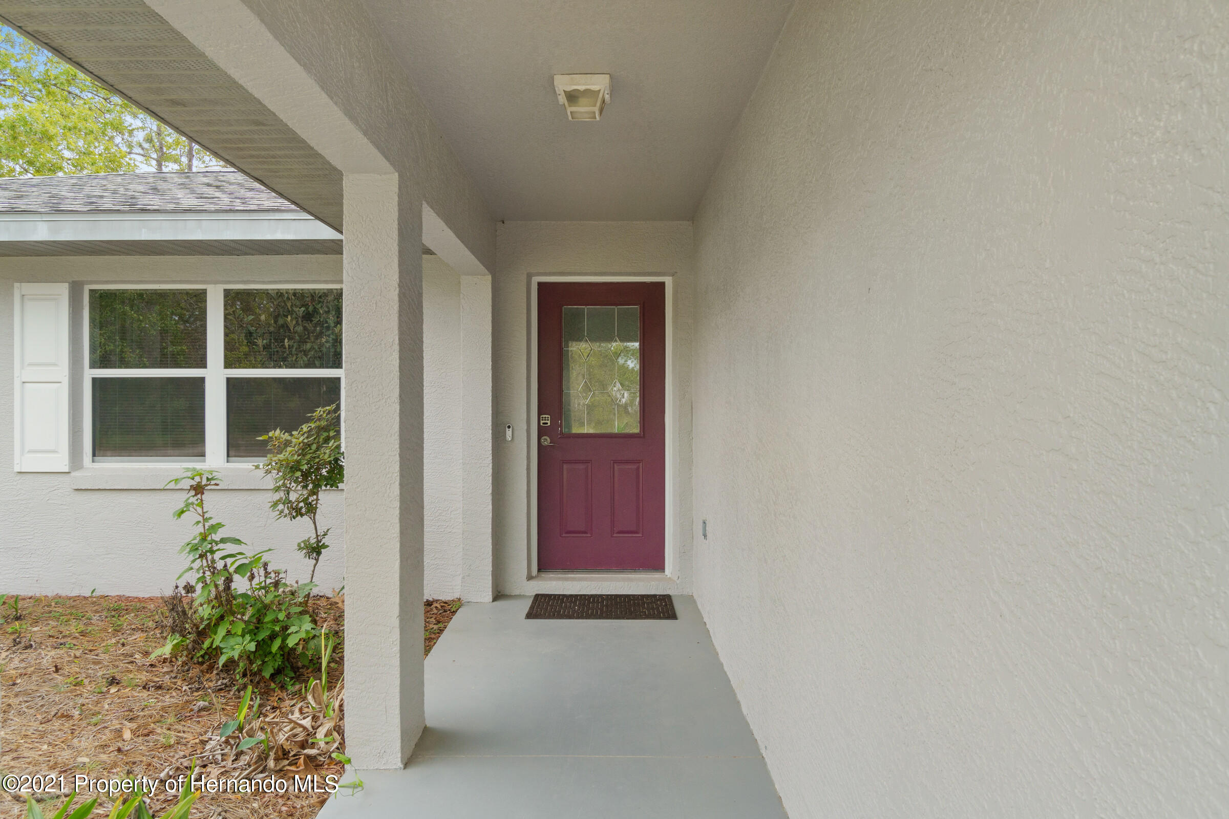 Listing photo id 3 for 5373 S Heloise Terrace