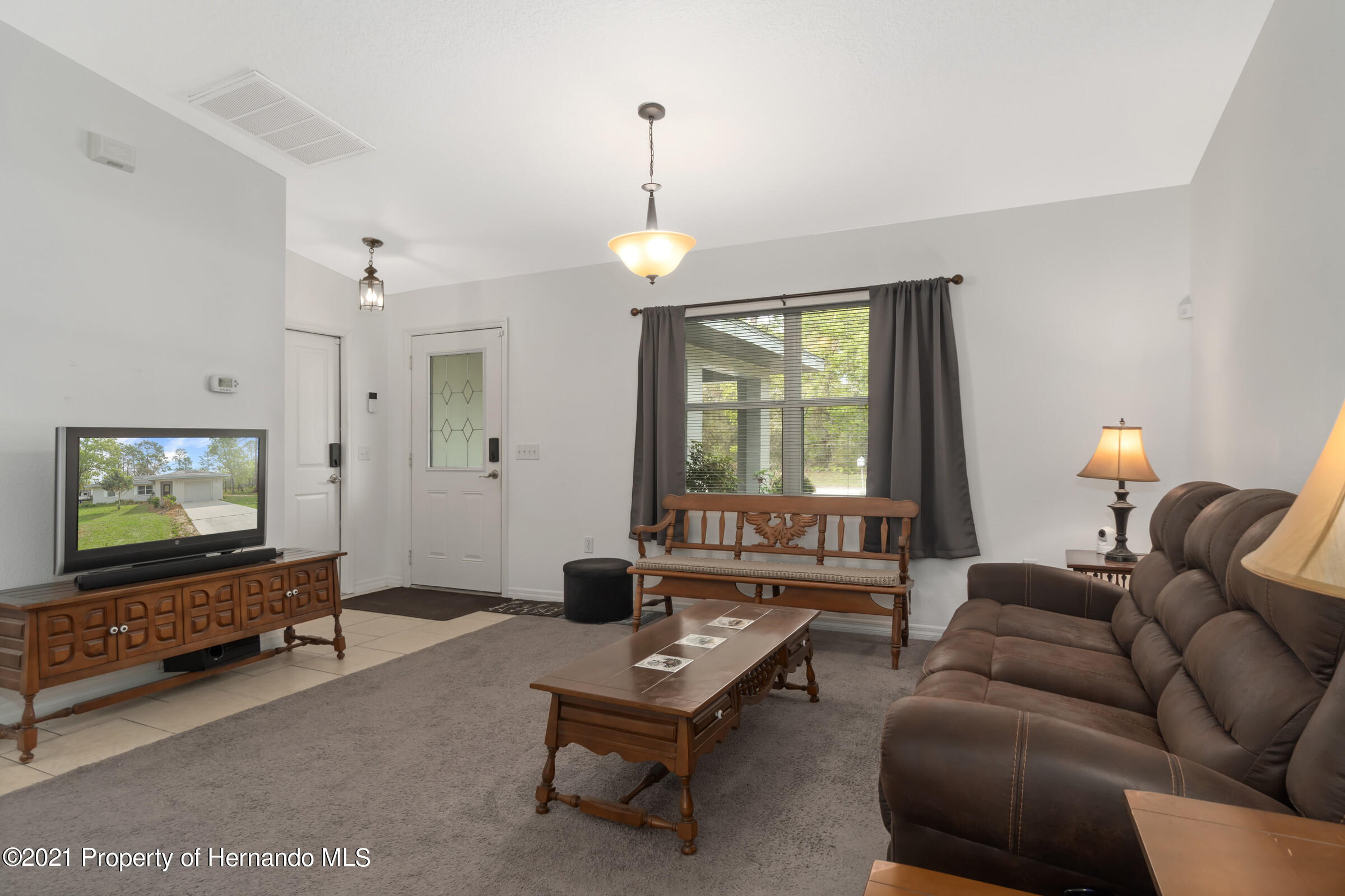 Listing photo id 4 for 5373 S Heloise Terrace