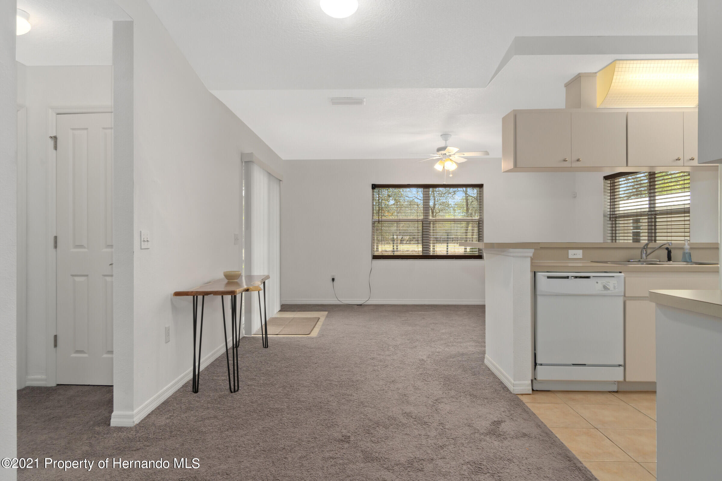 Listing photo id 7 for 5373 S Heloise Terrace