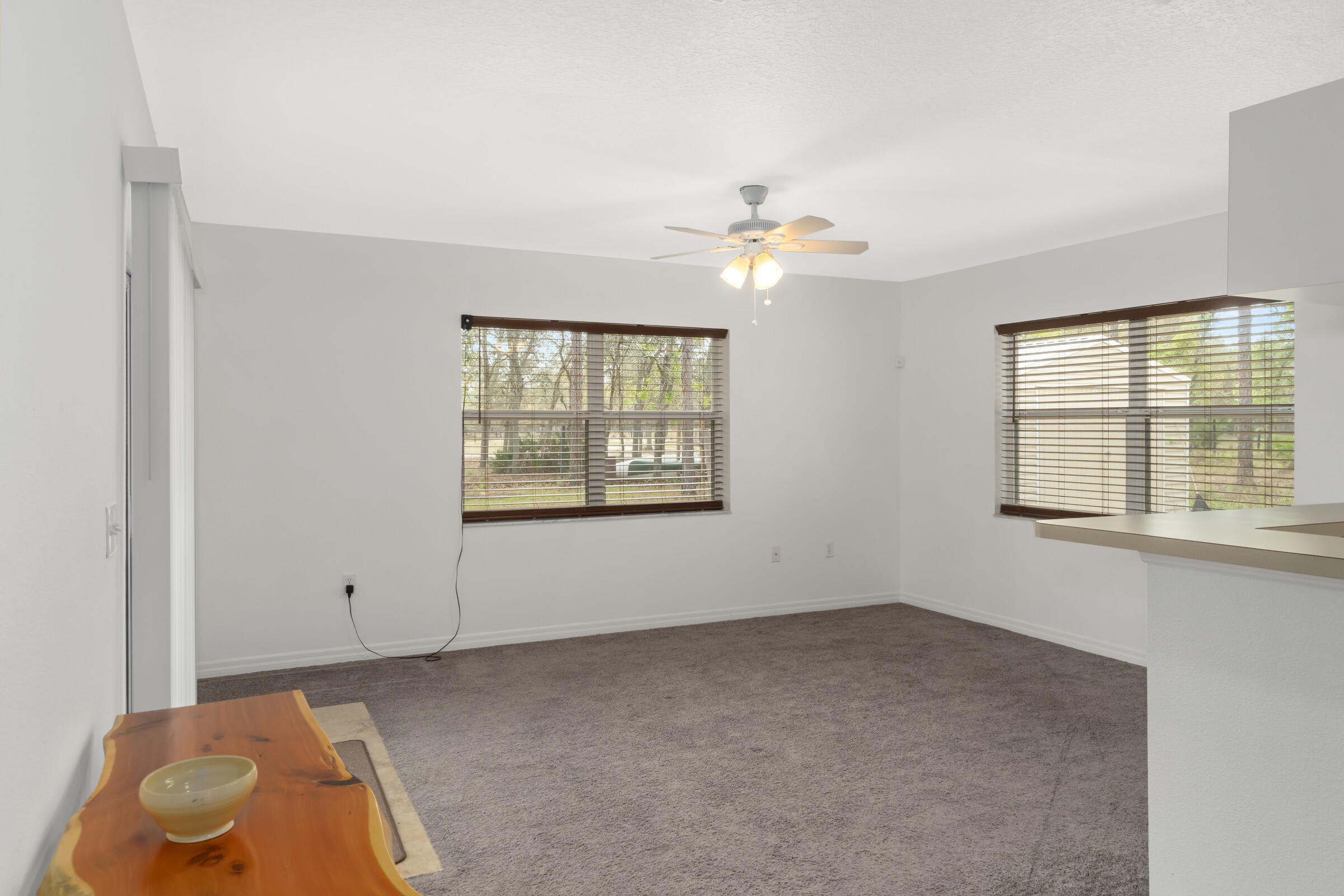 Listing photo id 11 for 5373 S Heloise Terrace
