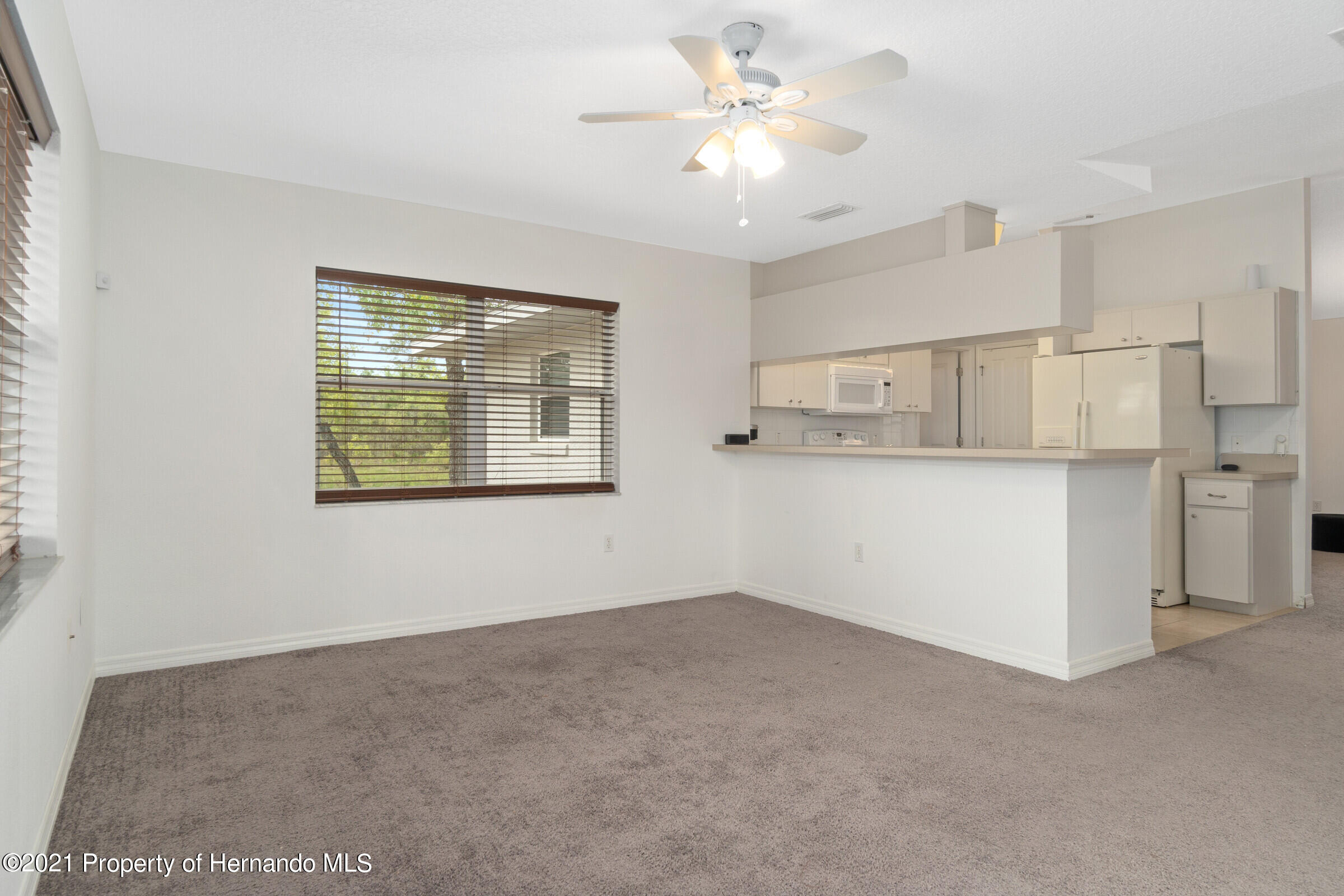 Listing photo id 13 for 5373 S Heloise Terrace