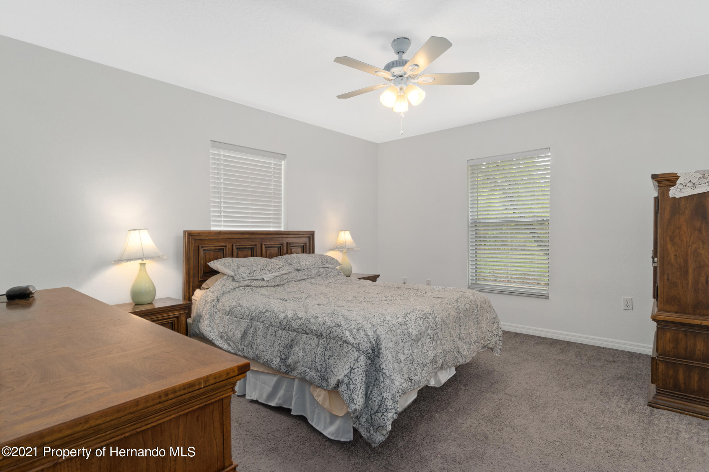 Listing photo id 14 for 5373 S Heloise Terrace