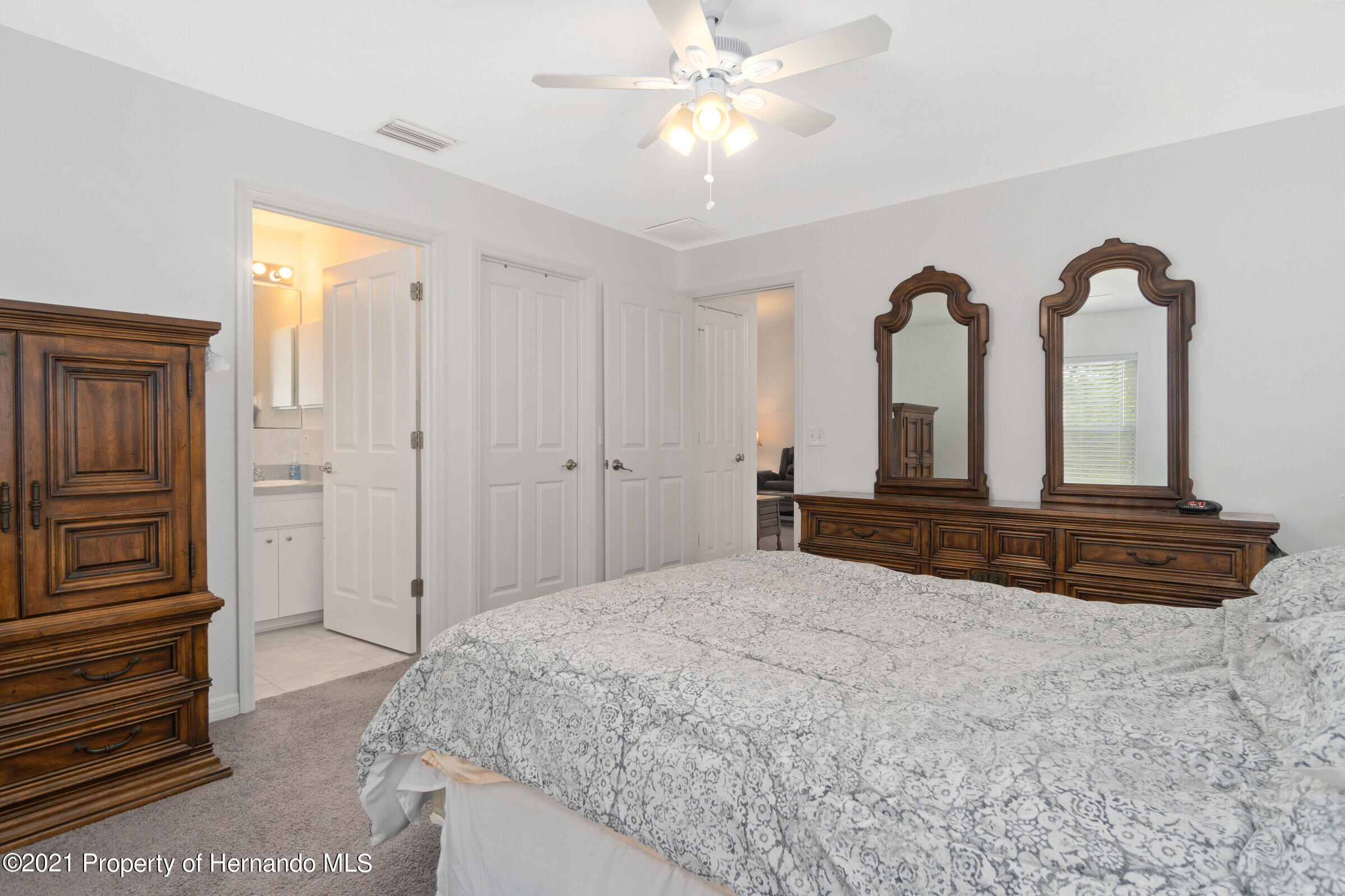 Listing photo id 15 for 5373 S Heloise Terrace