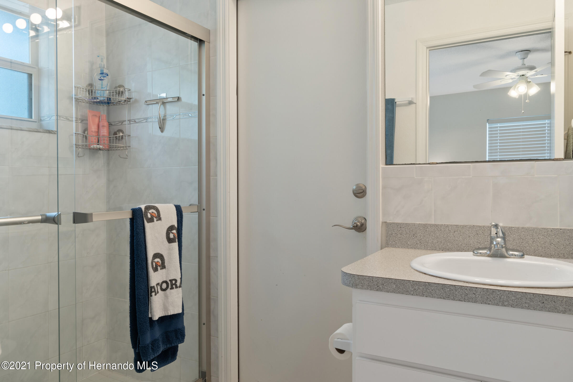 Listing photo id 16 for 5373 S Heloise Terrace