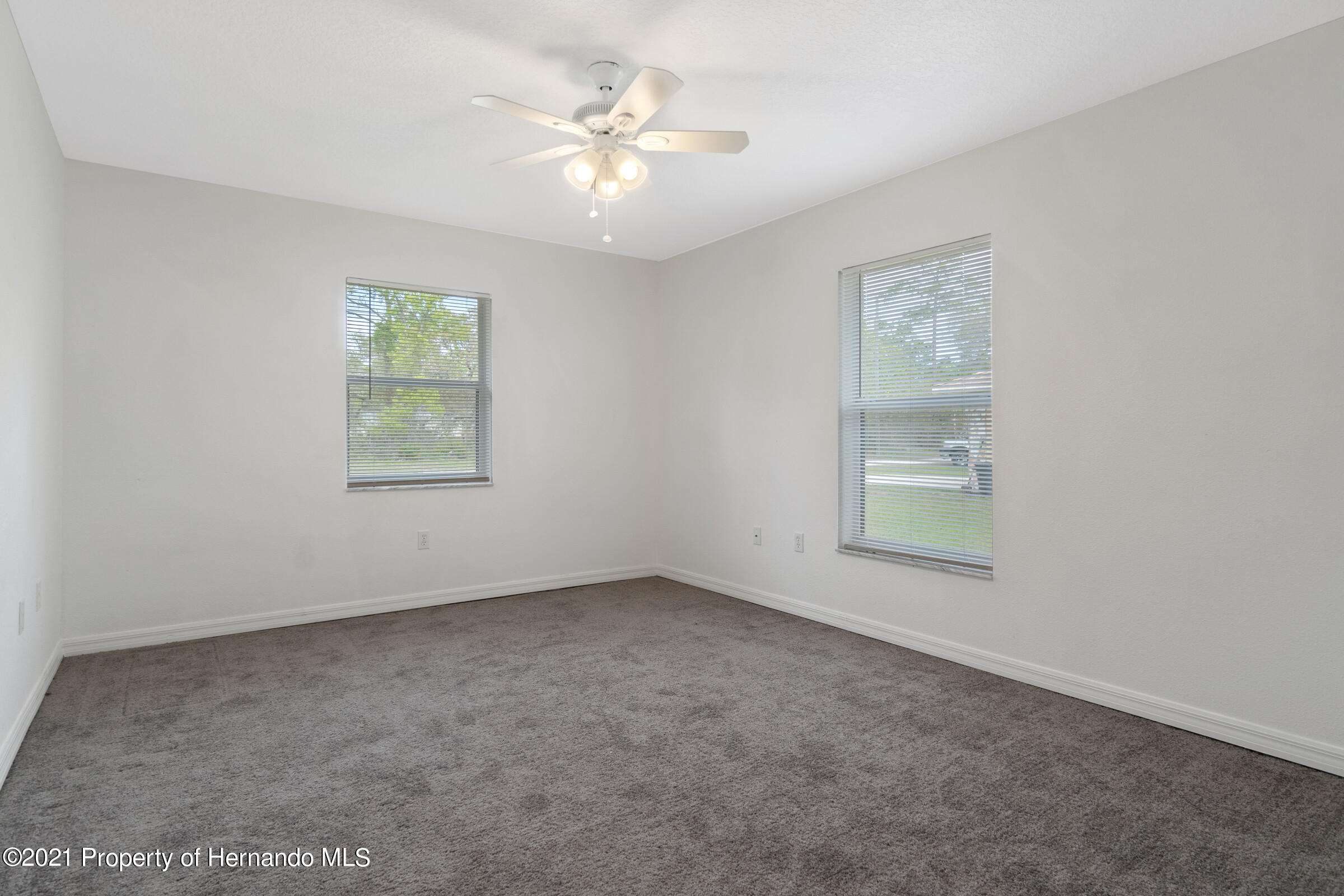Listing photo id 17 for 5373 S Heloise Terrace