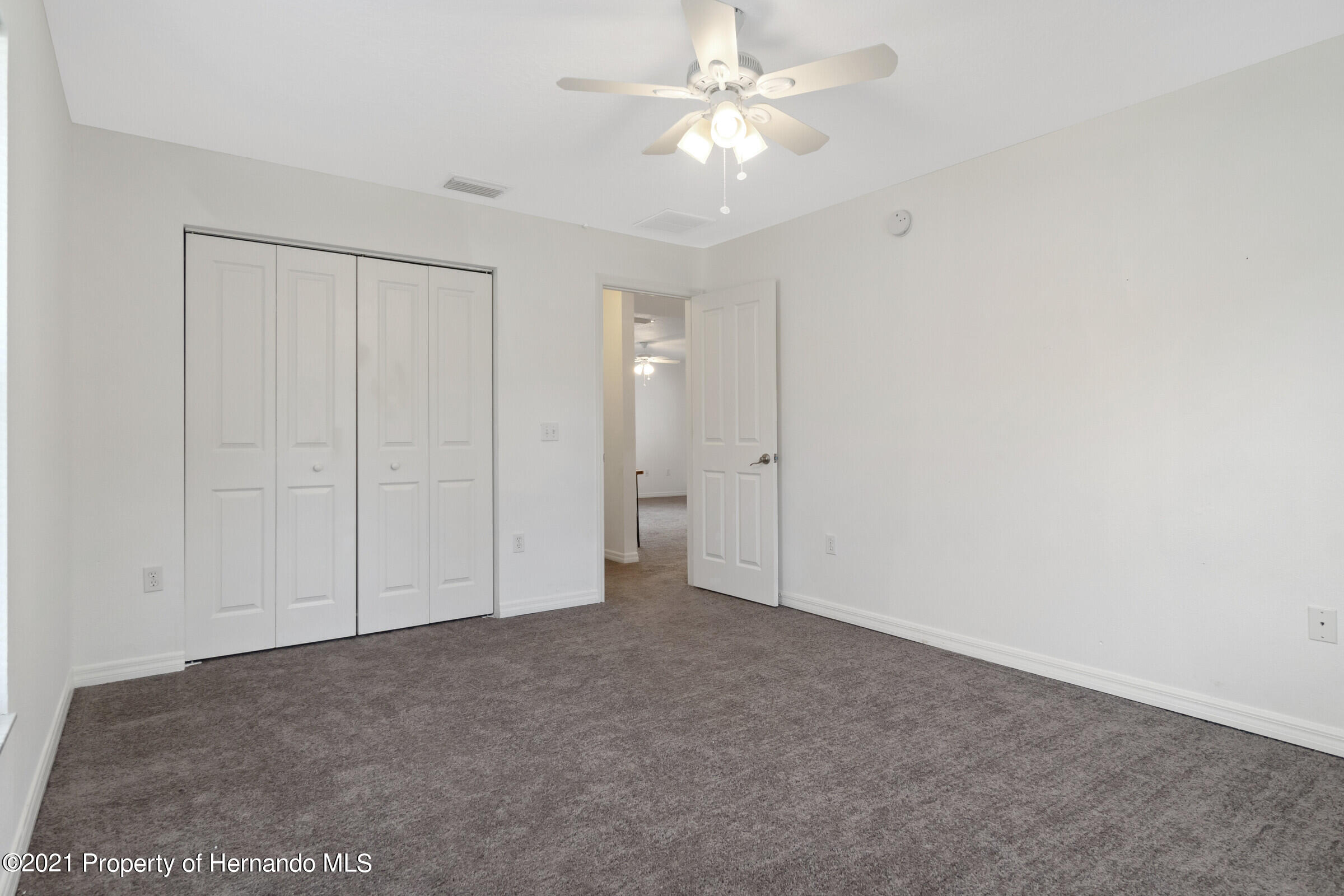 Listing photo id 18 for 5373 S Heloise Terrace