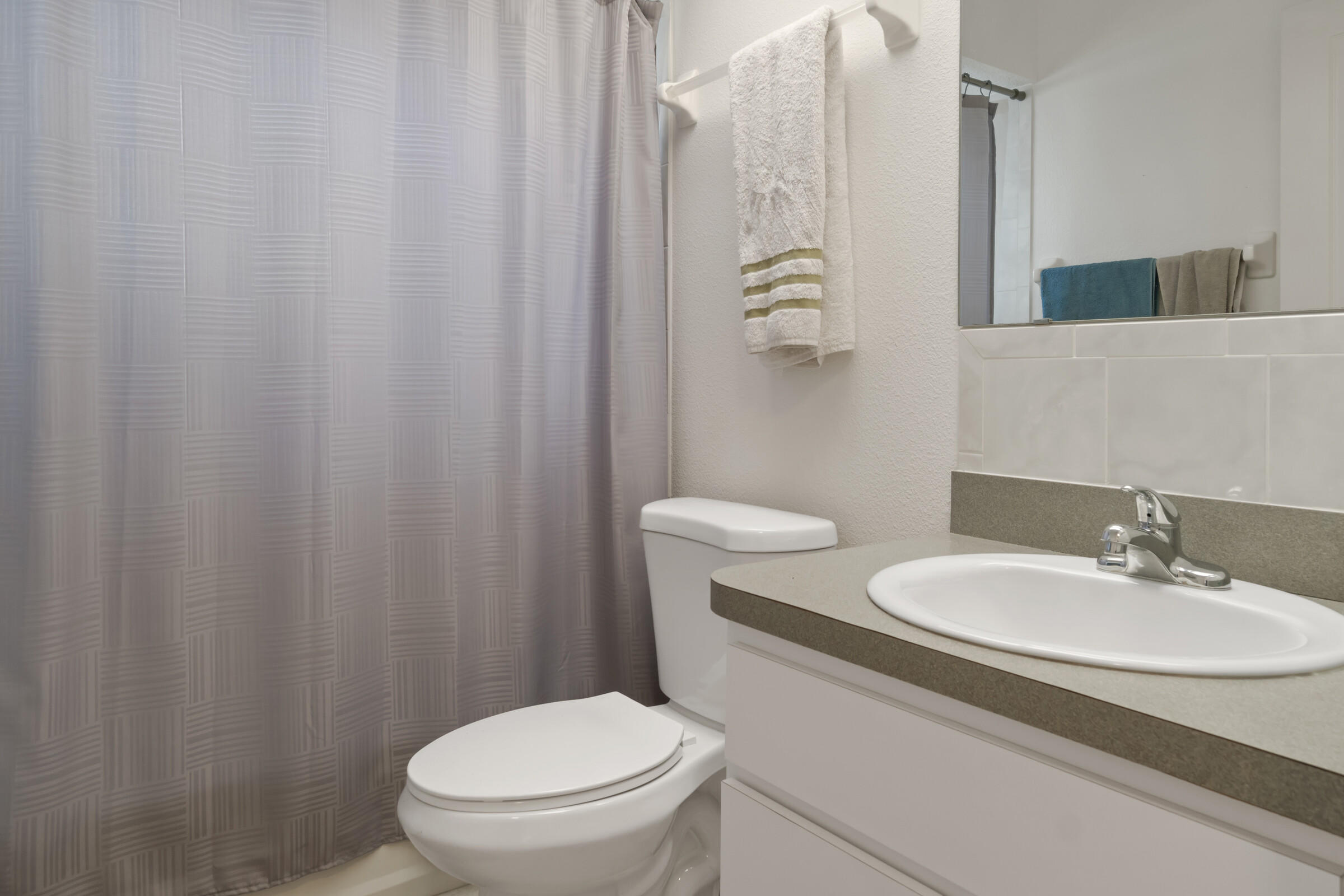 Listing photo id 19 for 5373 S Heloise Terrace