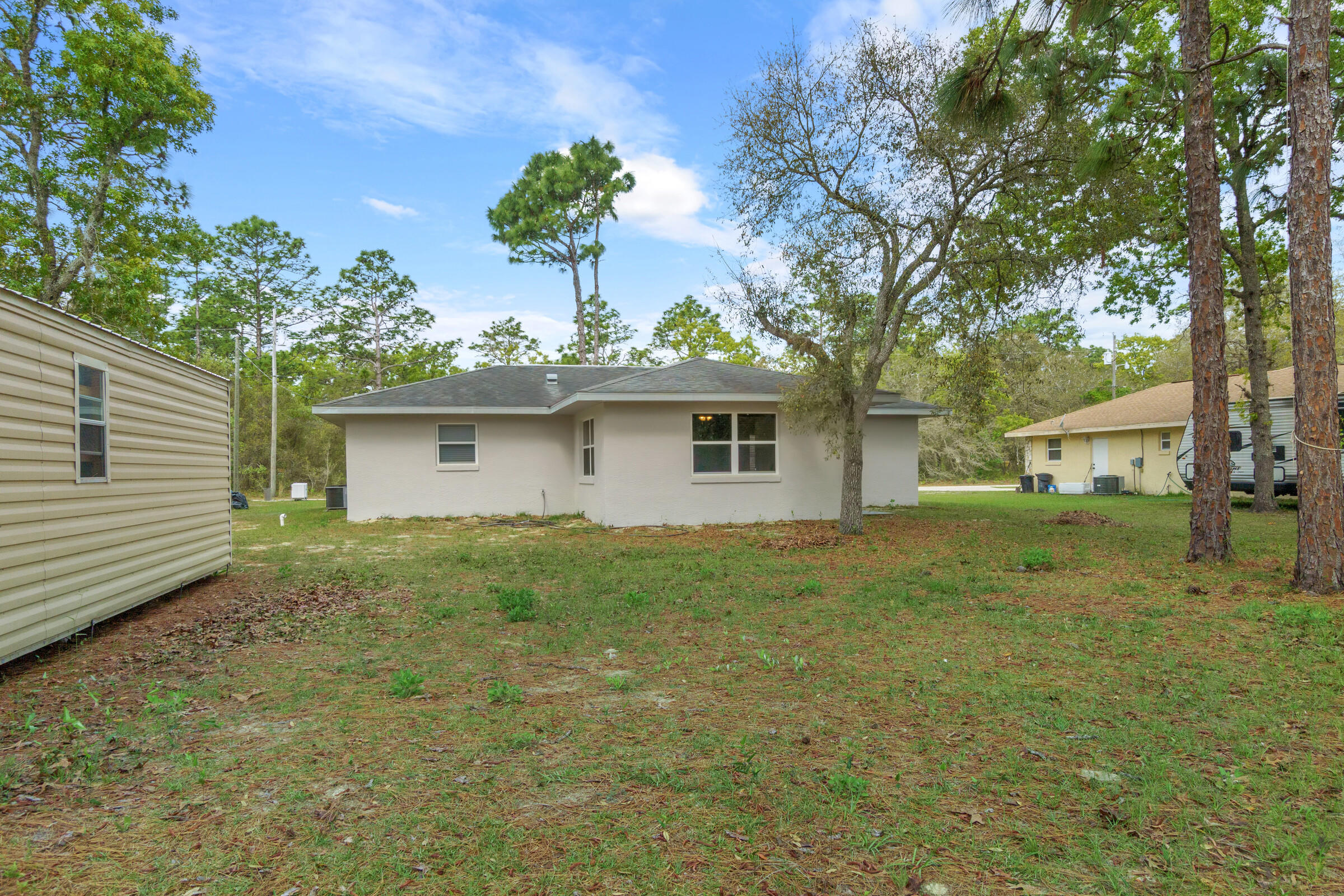 Listing photo id 22 for 5373 S Heloise Terrace