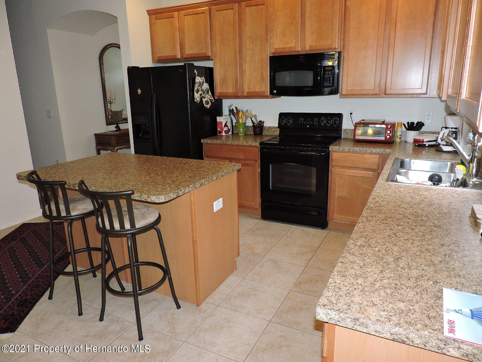 Listing photo id 4 for 279 Fairmont Drive