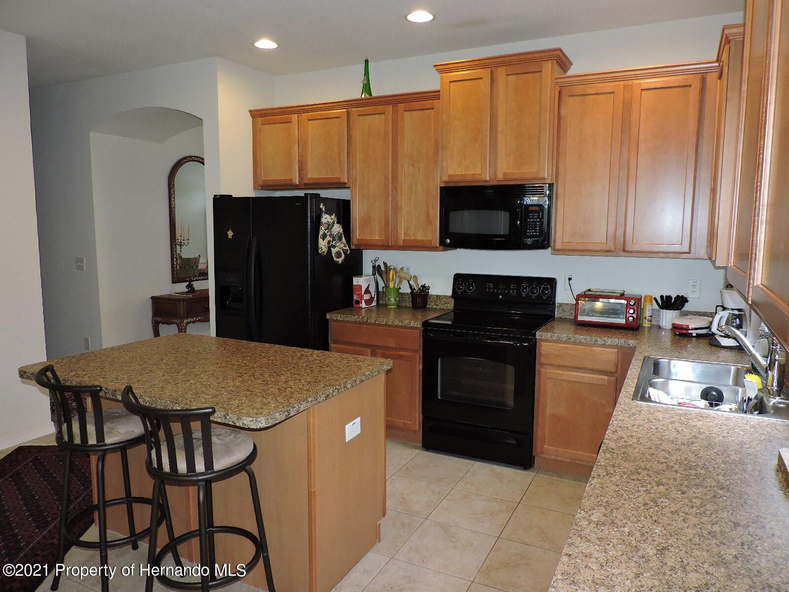 Listing photo id 5 for 279 Fairmont Drive