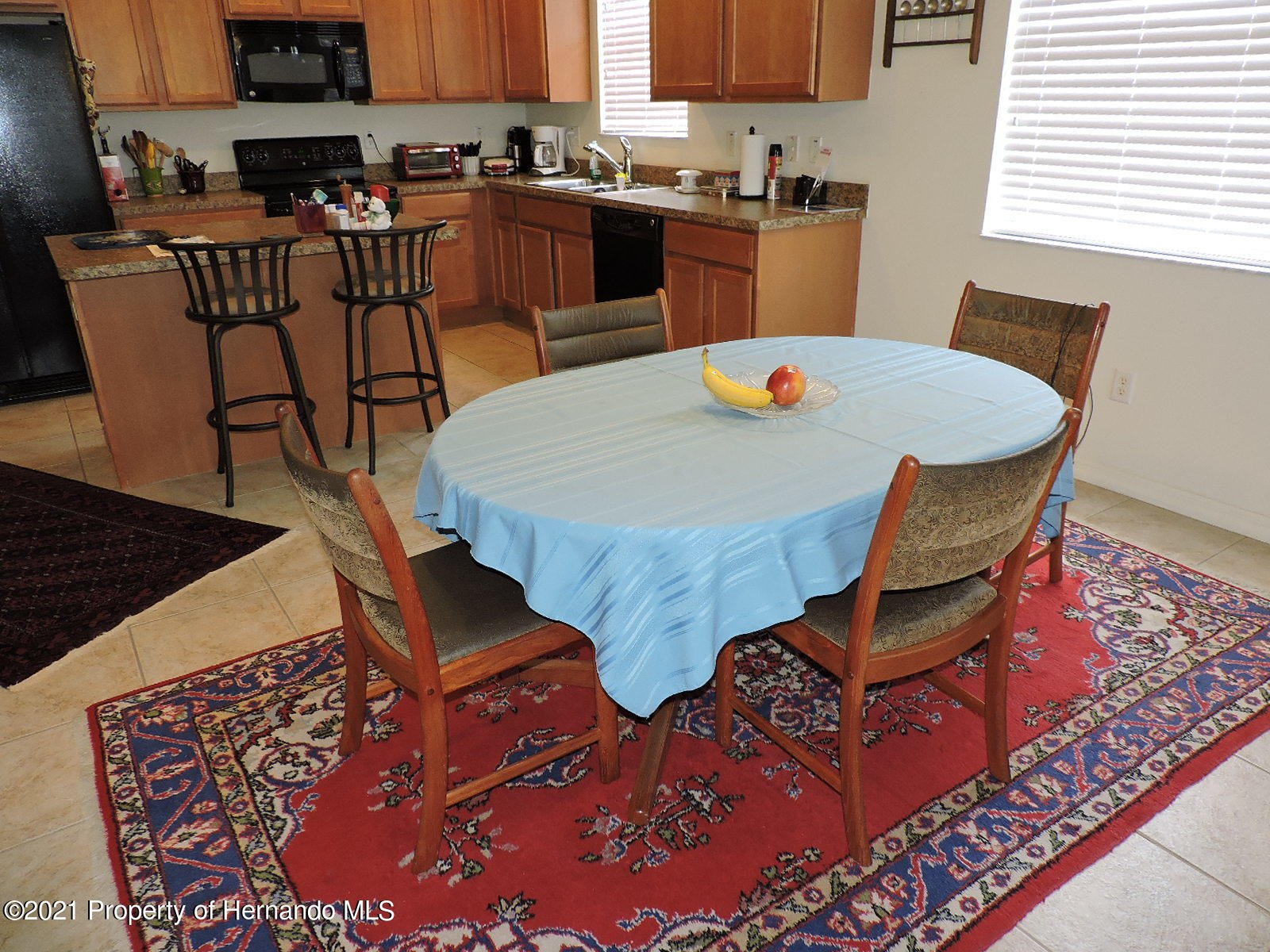 Listing photo id 7 for 279 Fairmont Drive