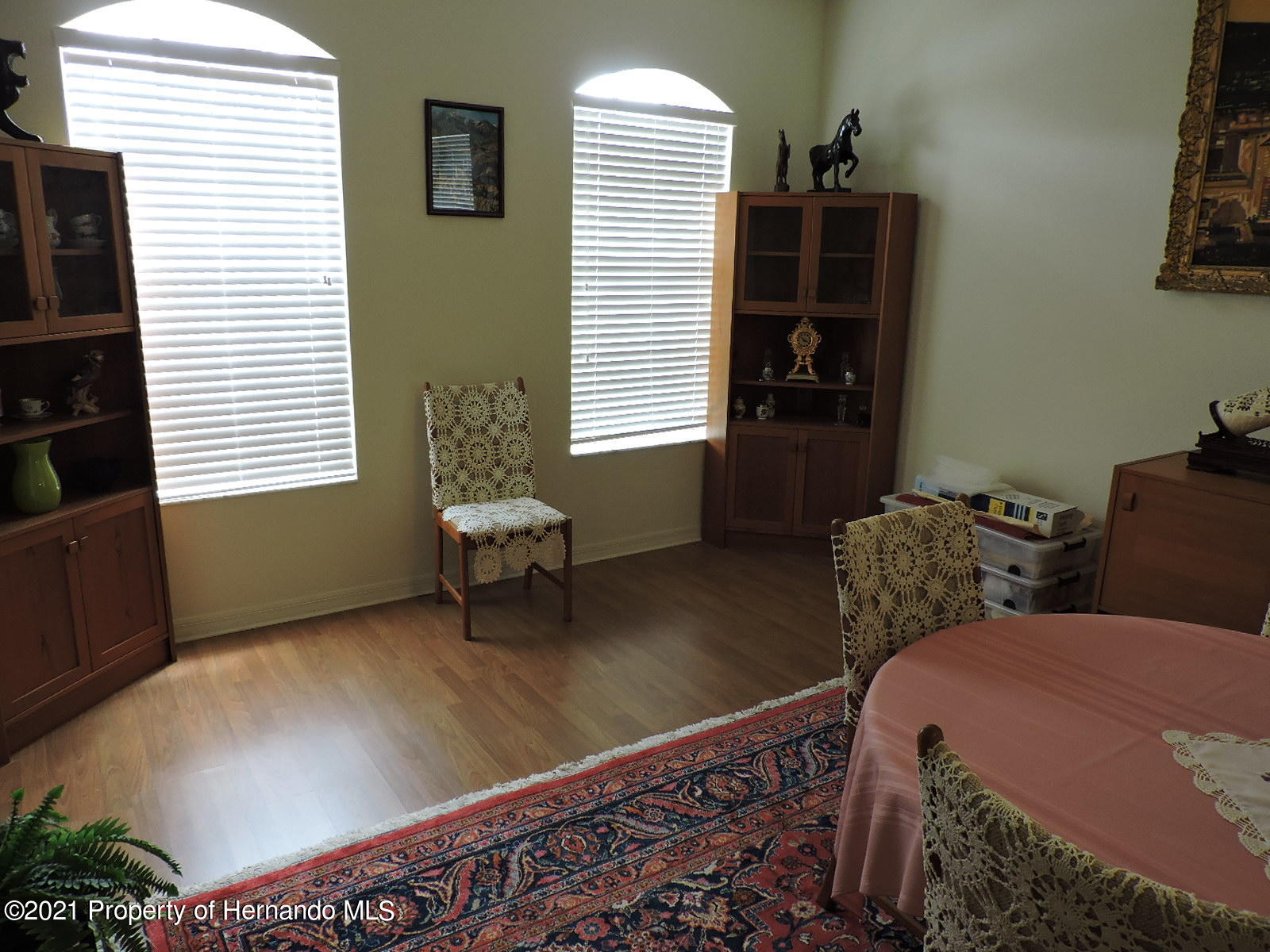 Listing photo id 16 for 279 Fairmont Drive