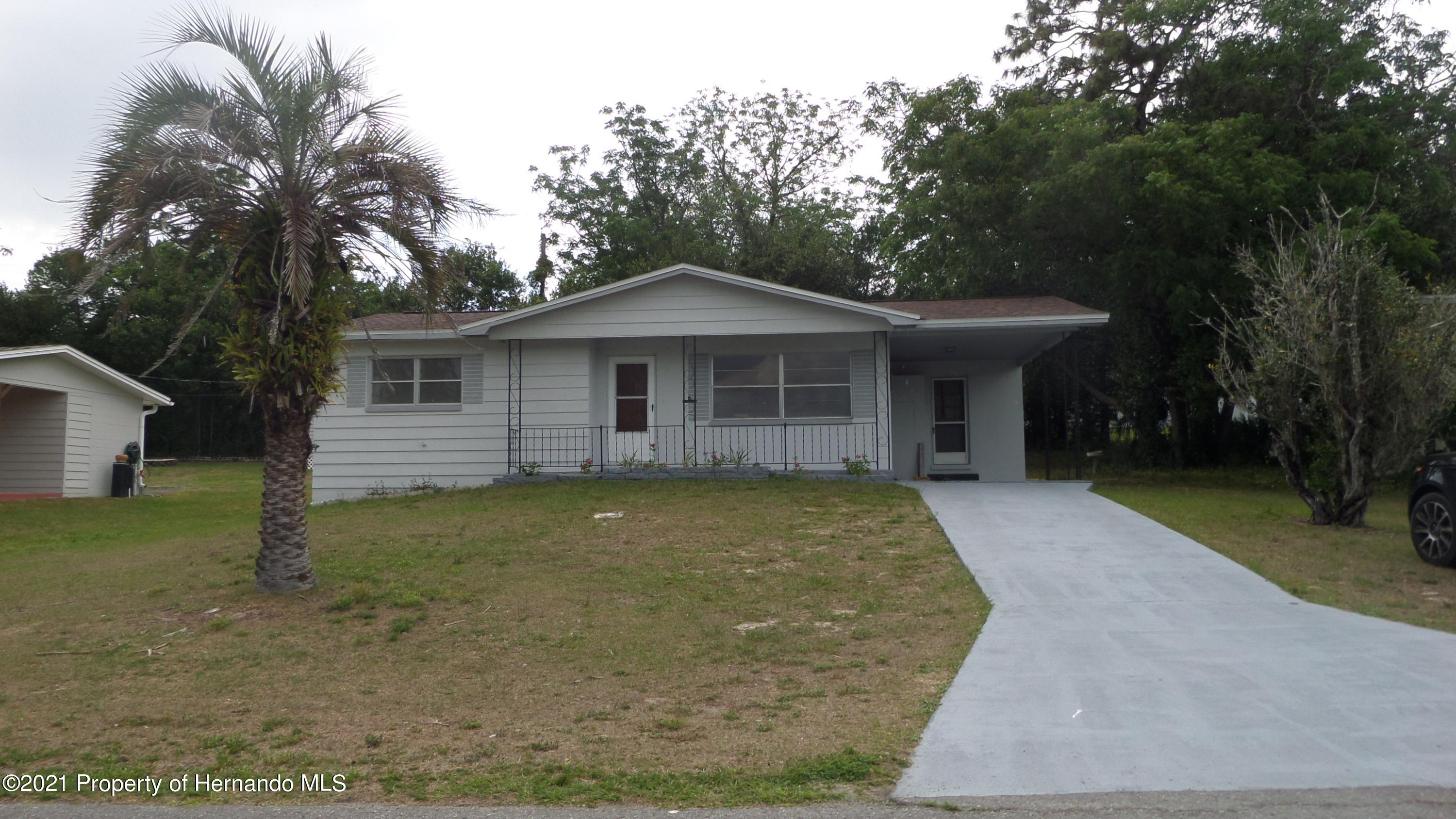 Listing photo id 3 for 24 N Fillmore Street