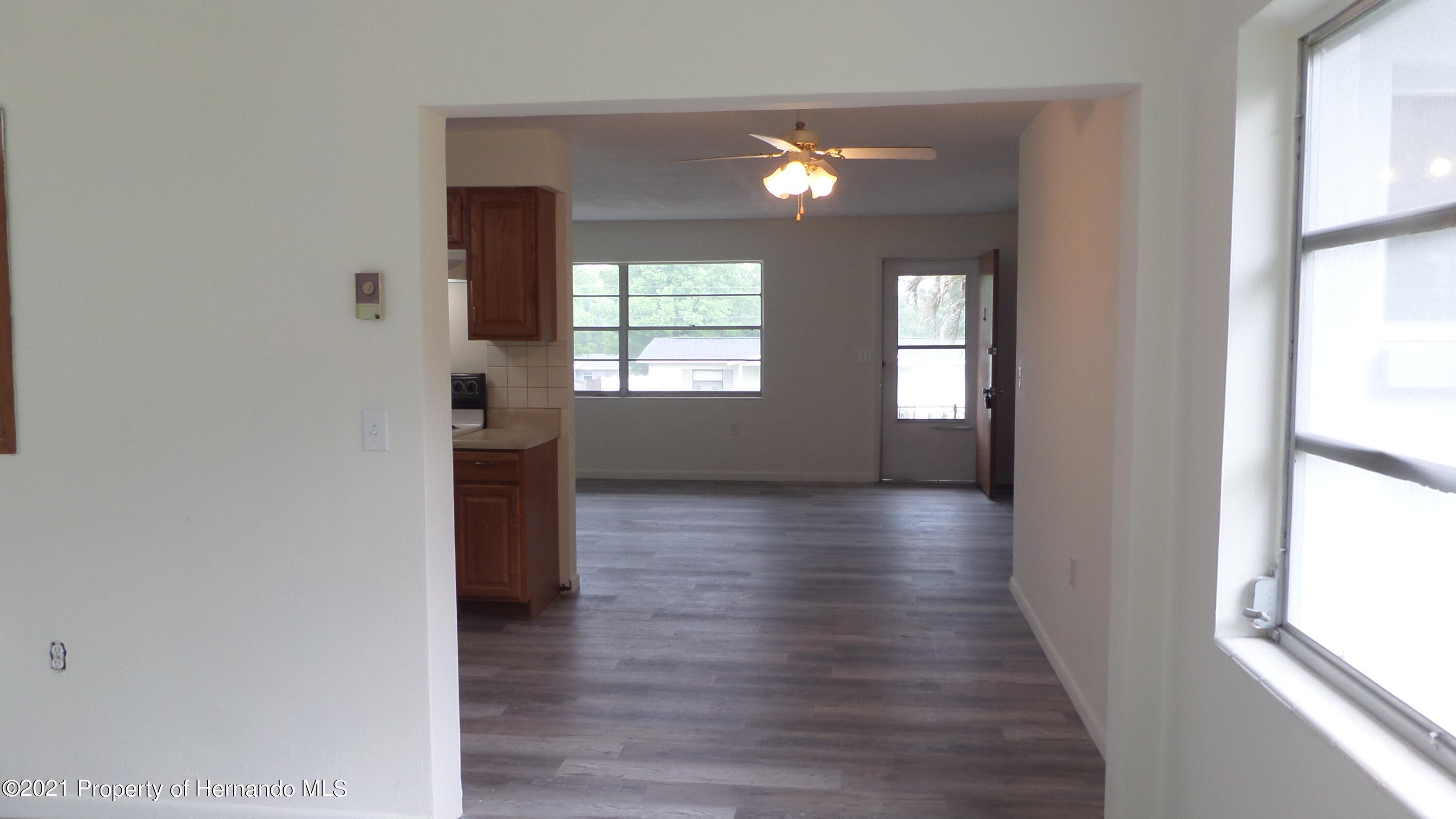 Listing photo id 8 for 24 N Fillmore Street