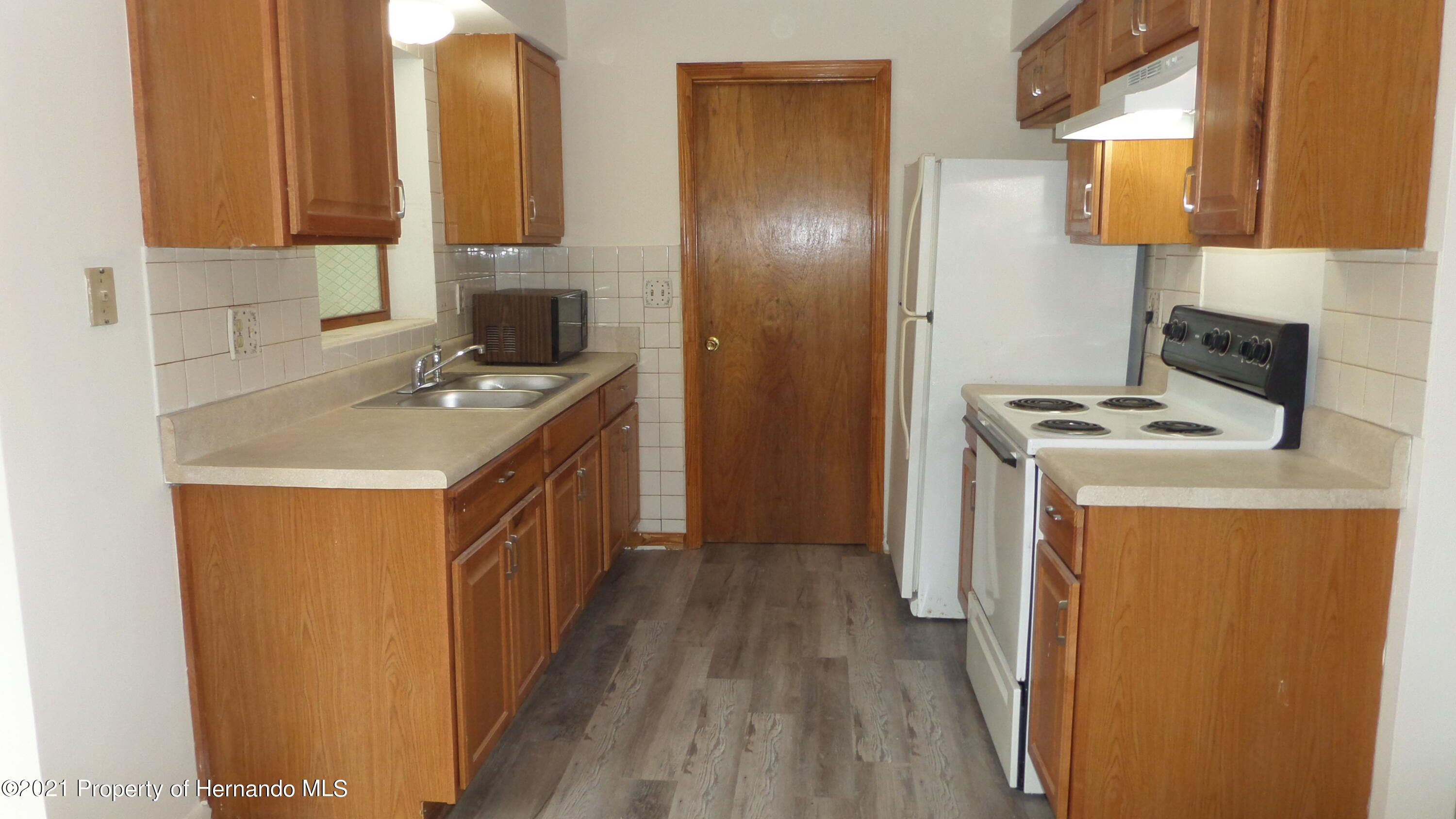 Listing photo id 12 for 24 N Fillmore Street