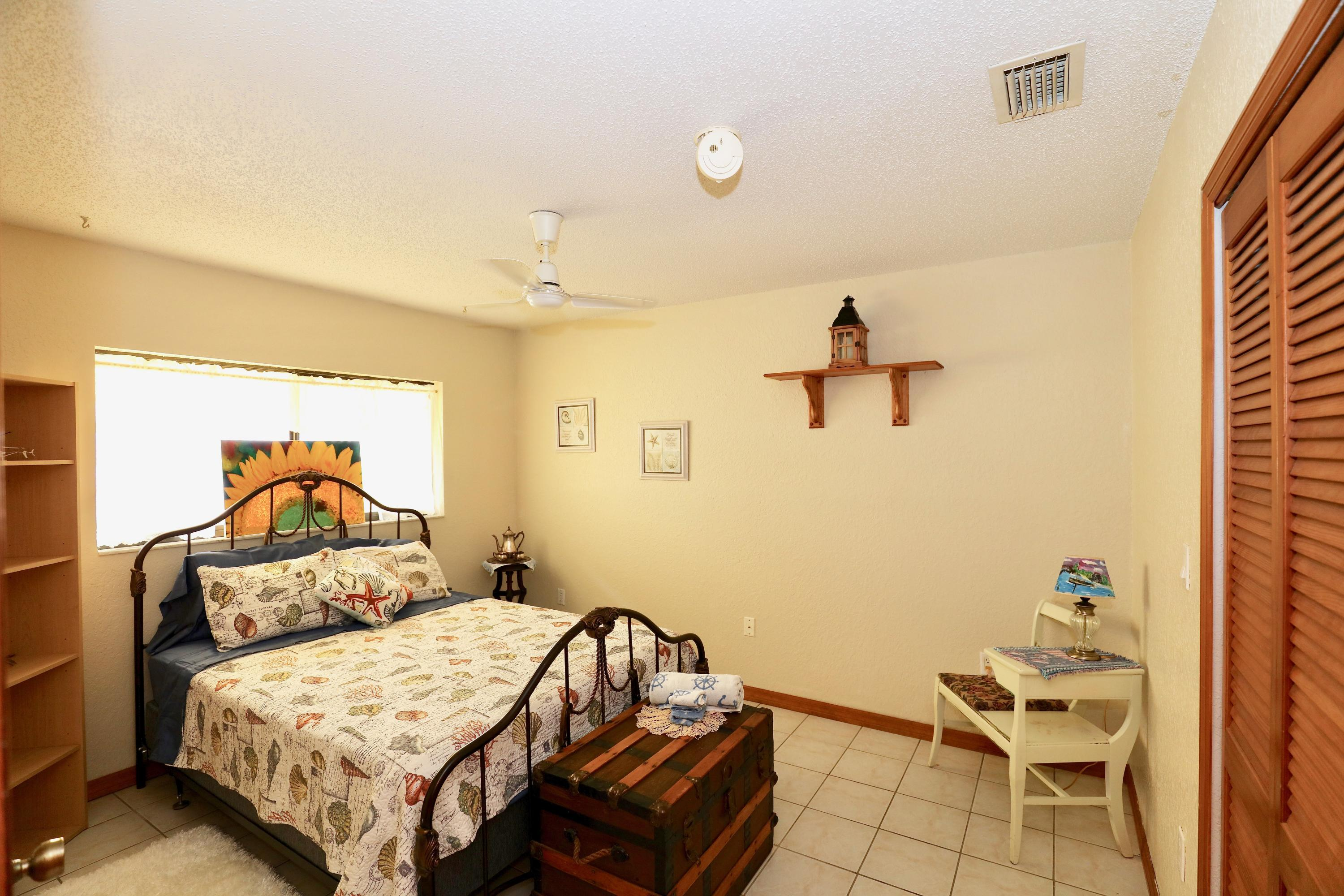 Listing photo id 7 for 3505 Casa Court
