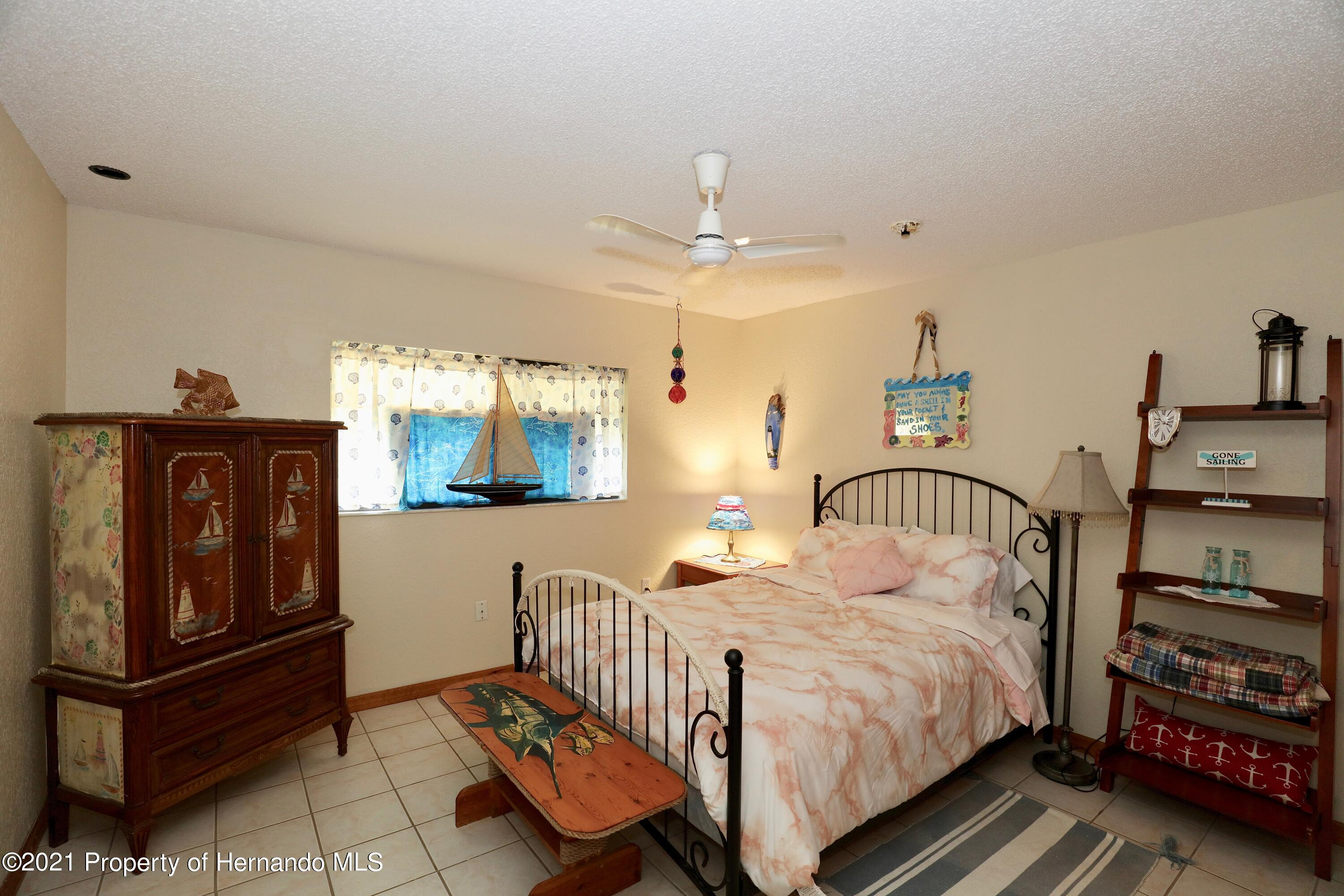 Listing photo id 8 for 3505 Casa Court