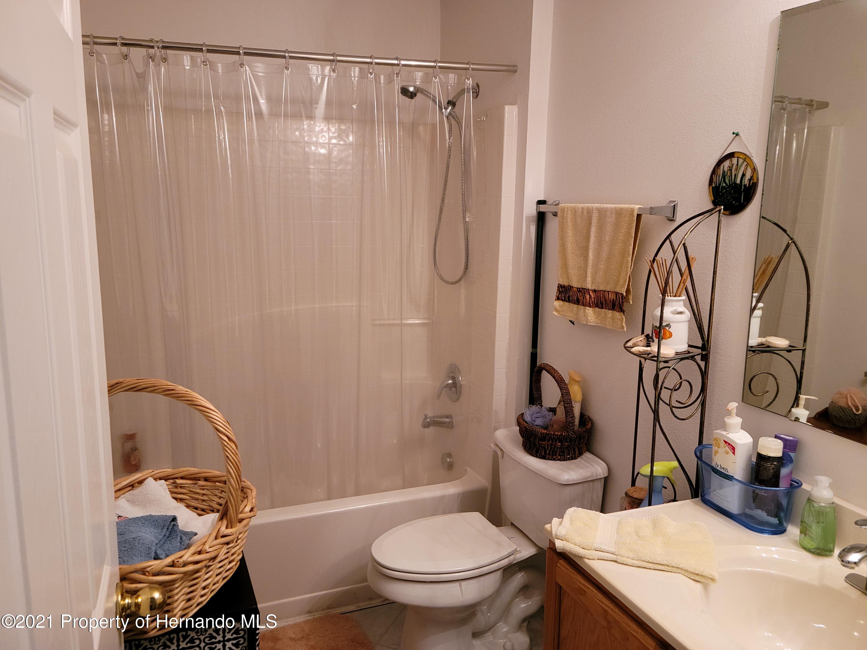 Listing photo id 19 for 5522 Landover Boulevard