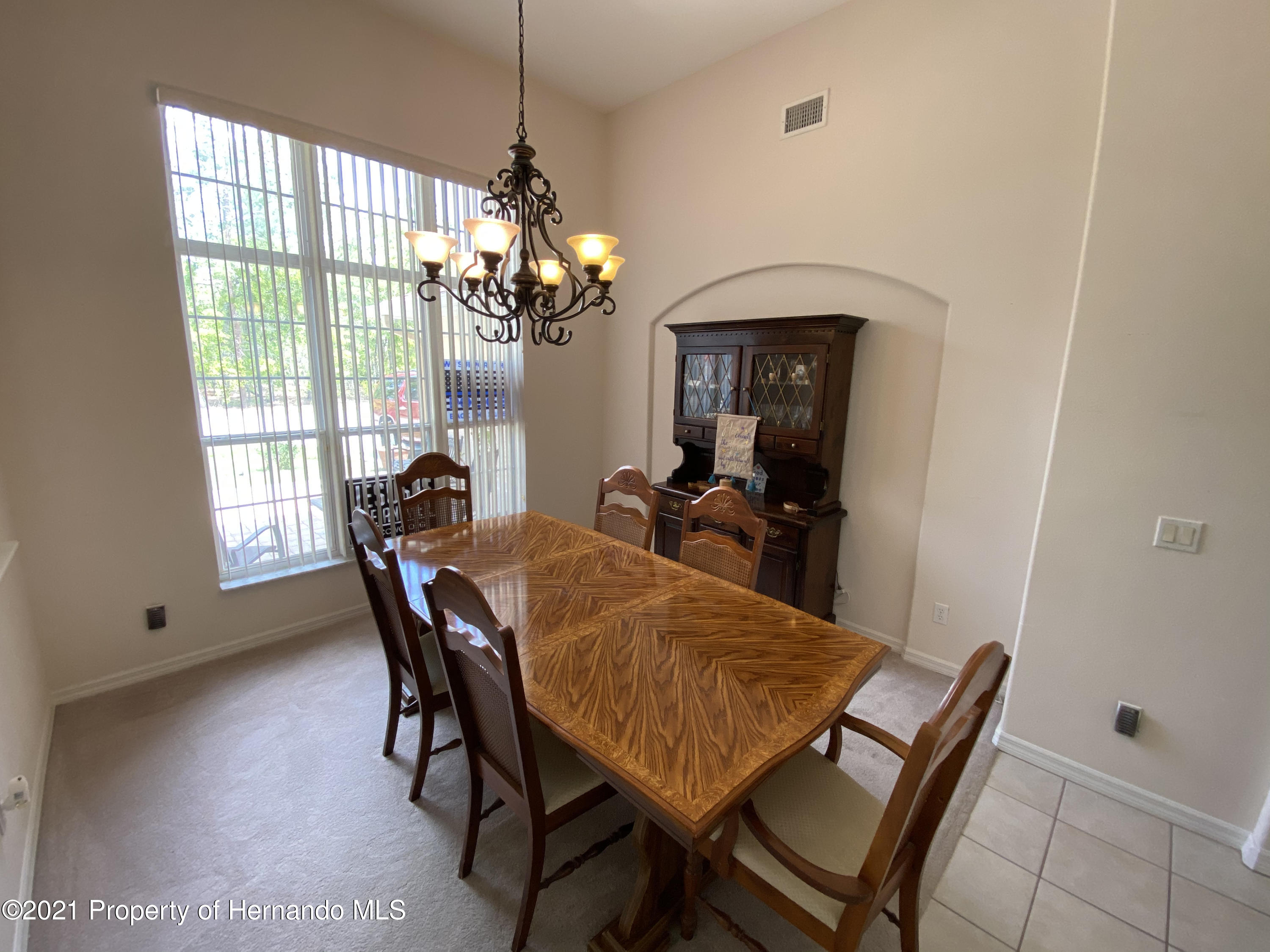 Listing photo id 4 for 22 Poppy Court