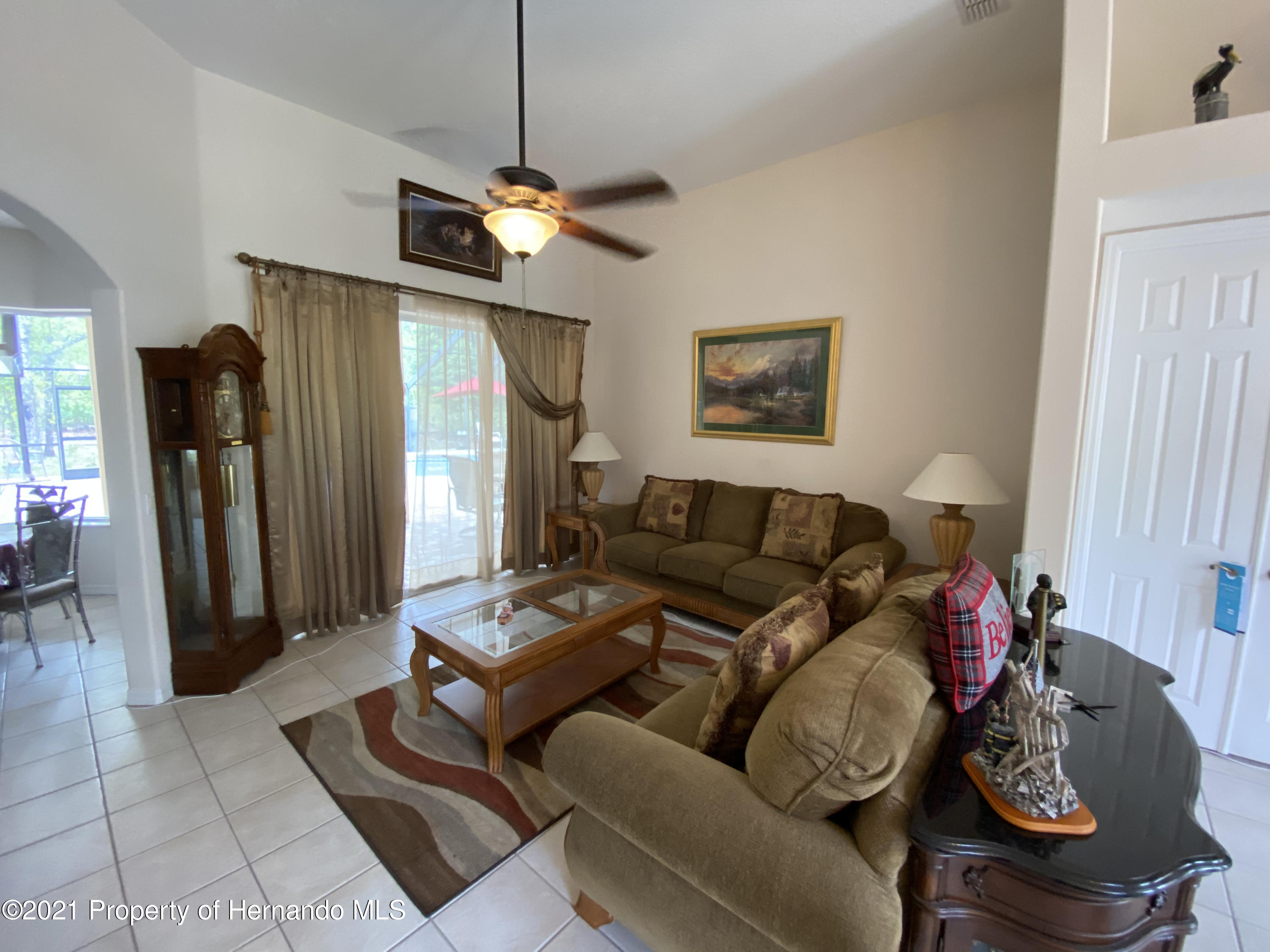 Listing photo id 6 for 22 Poppy Court