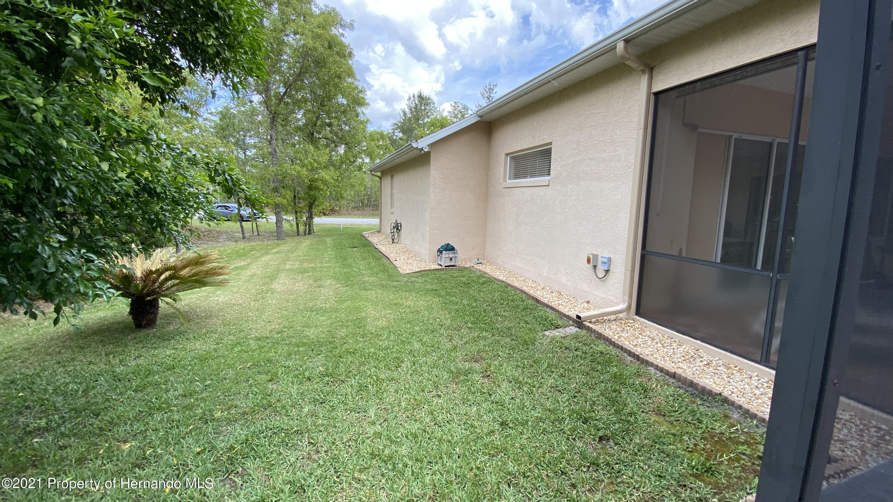 Listing photo id 13 for 22 Poppy Court