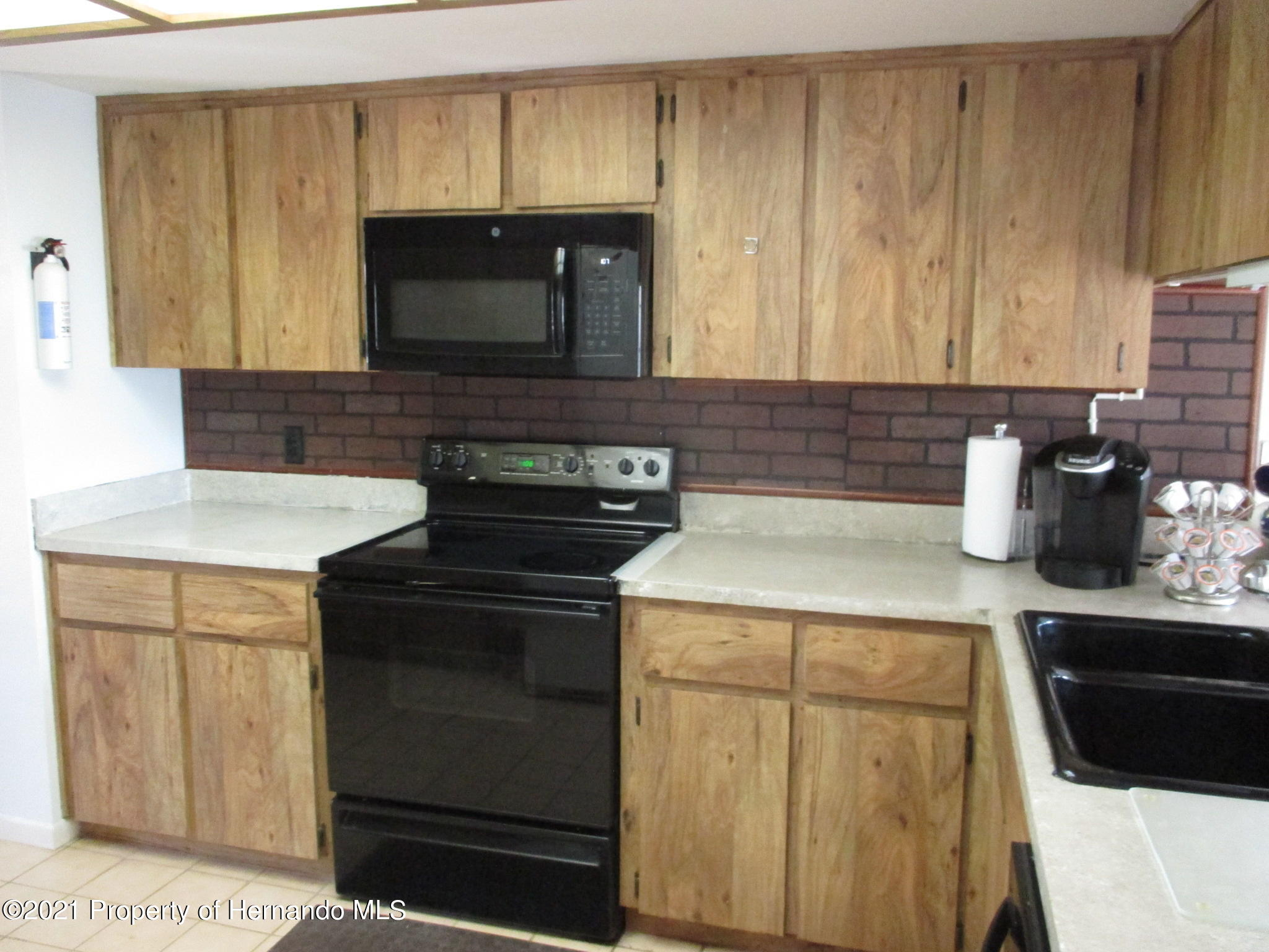 Listing photo id 11 for 10012 Vancouver Road