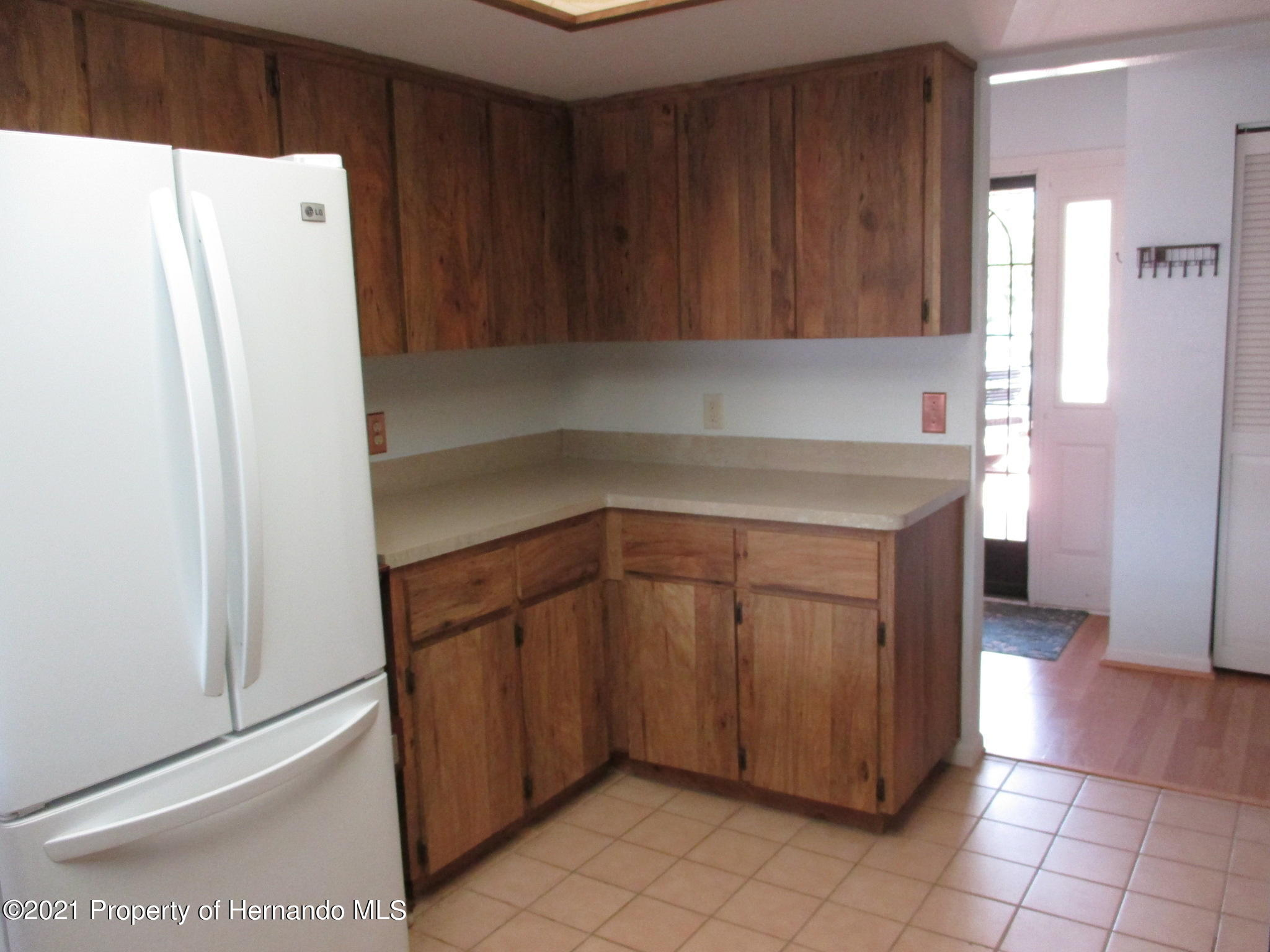 Listing photo id 18 for 10012 Vancouver Road