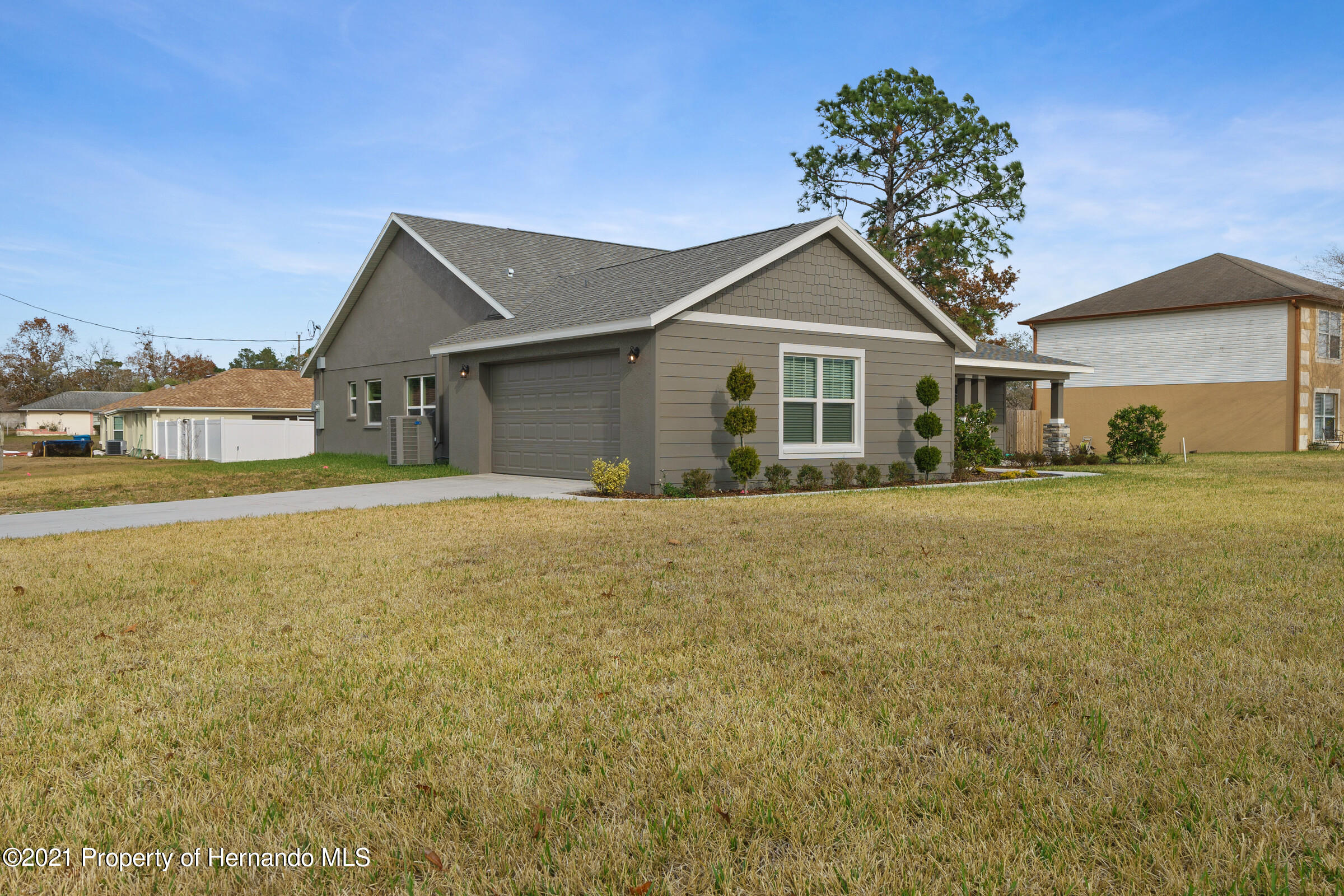 Listing photo id 3 for 0 Flock Avenue