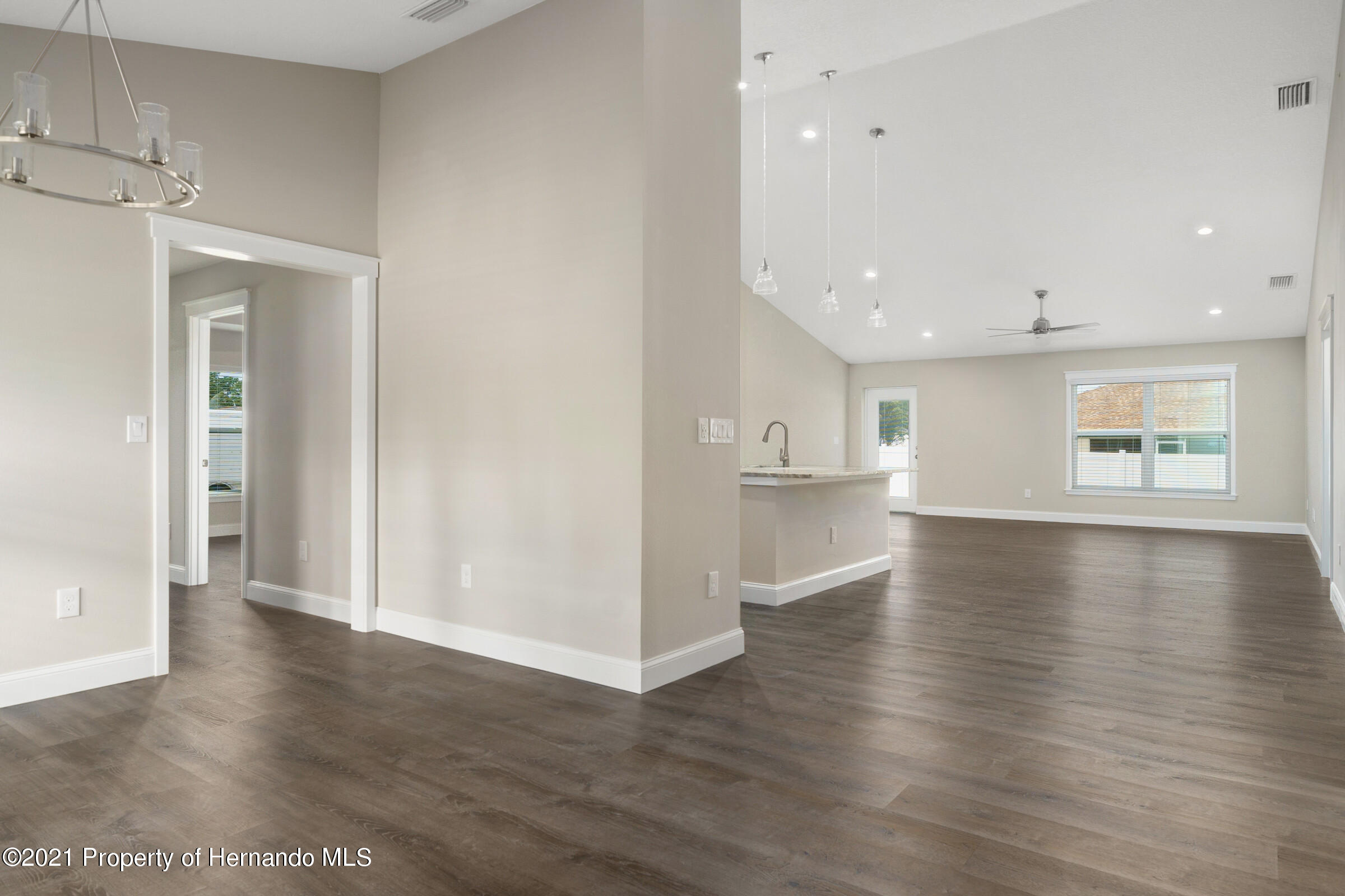 Listing photo id 10 for 0 Flock Avenue