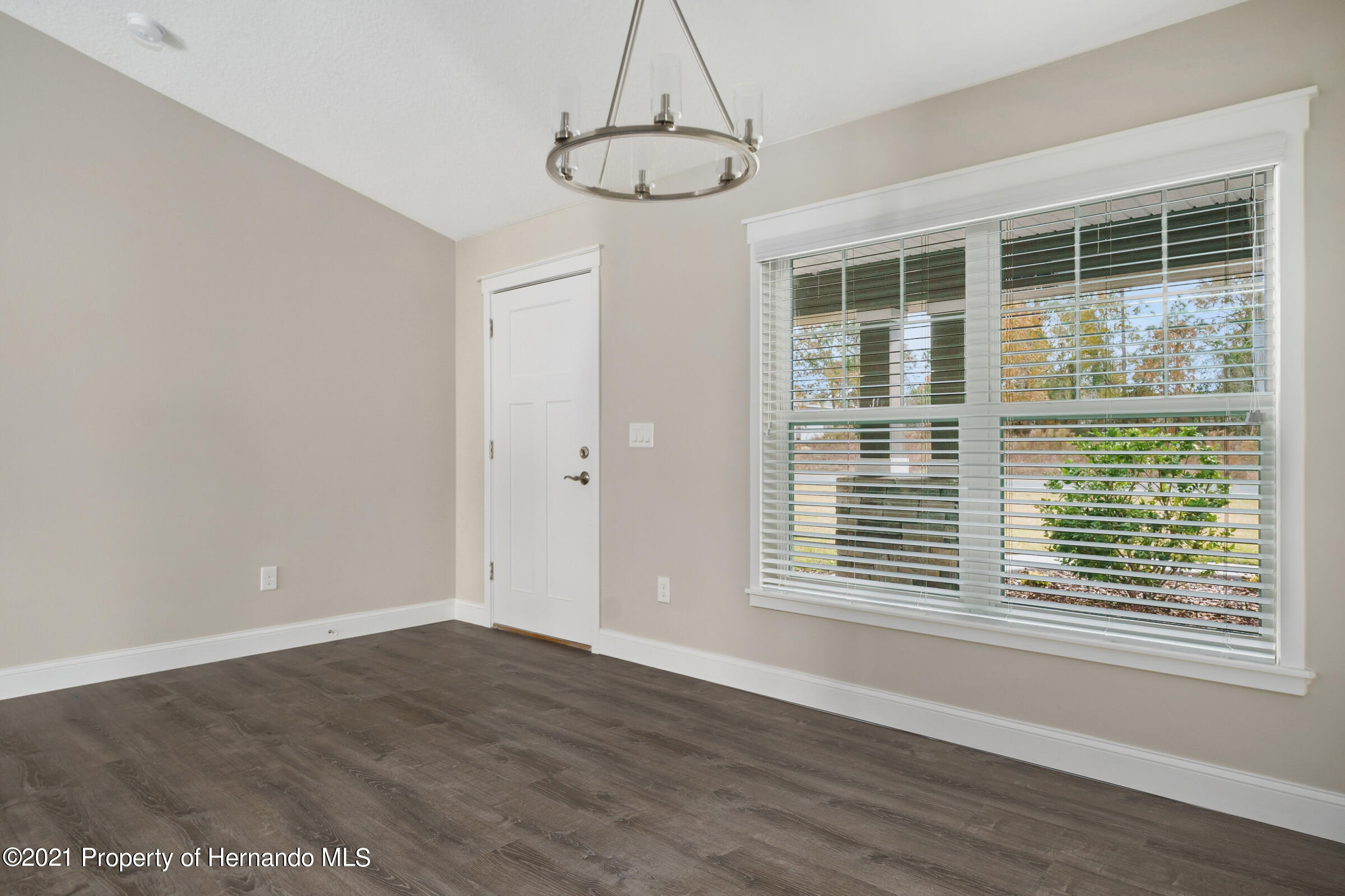 Listing photo id 12 for 0 Flock Avenue