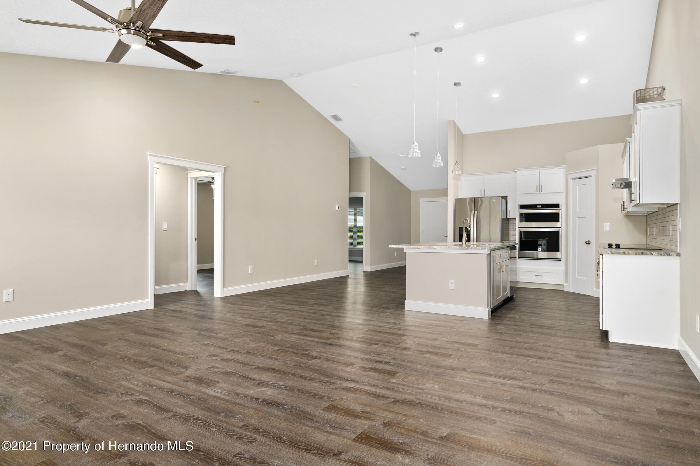 Listing photo id 21 for 0 Flock Avenue