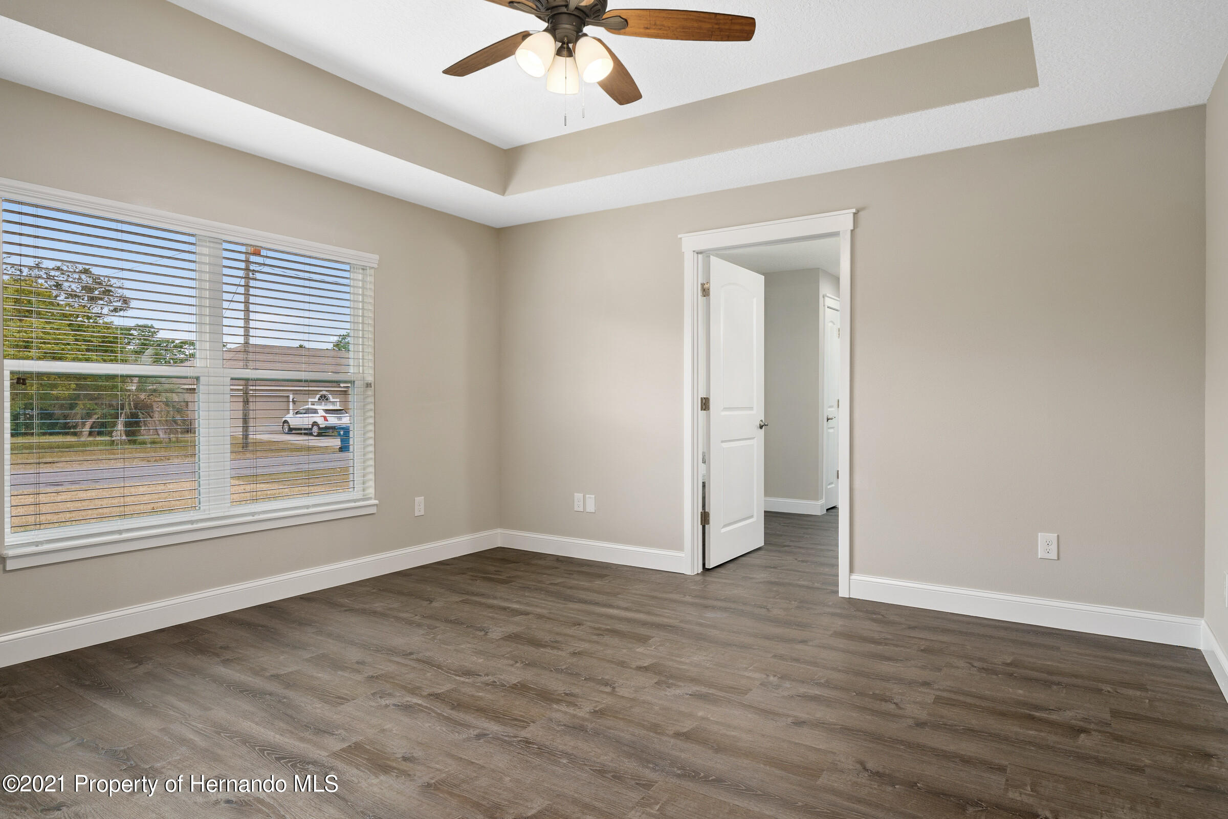Listing photo id 24 for 0 Flock Avenue
