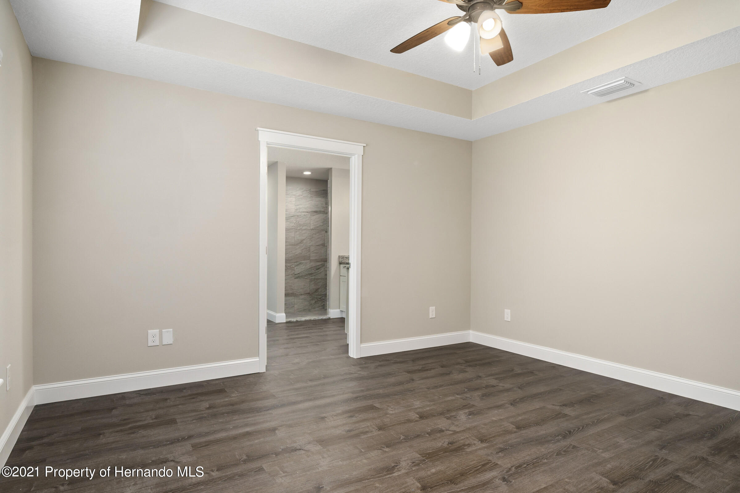 Listing photo id 25 for 0 Flock Avenue
