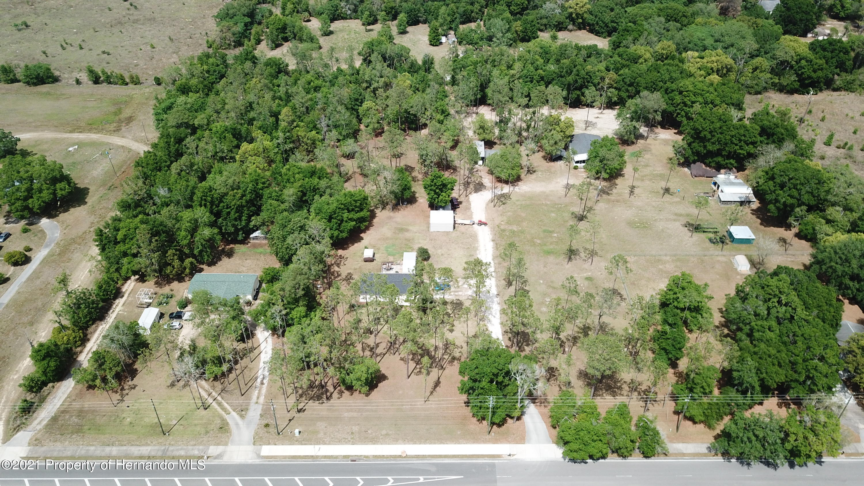 Listing photo id 7 for 37731 Kossik Road