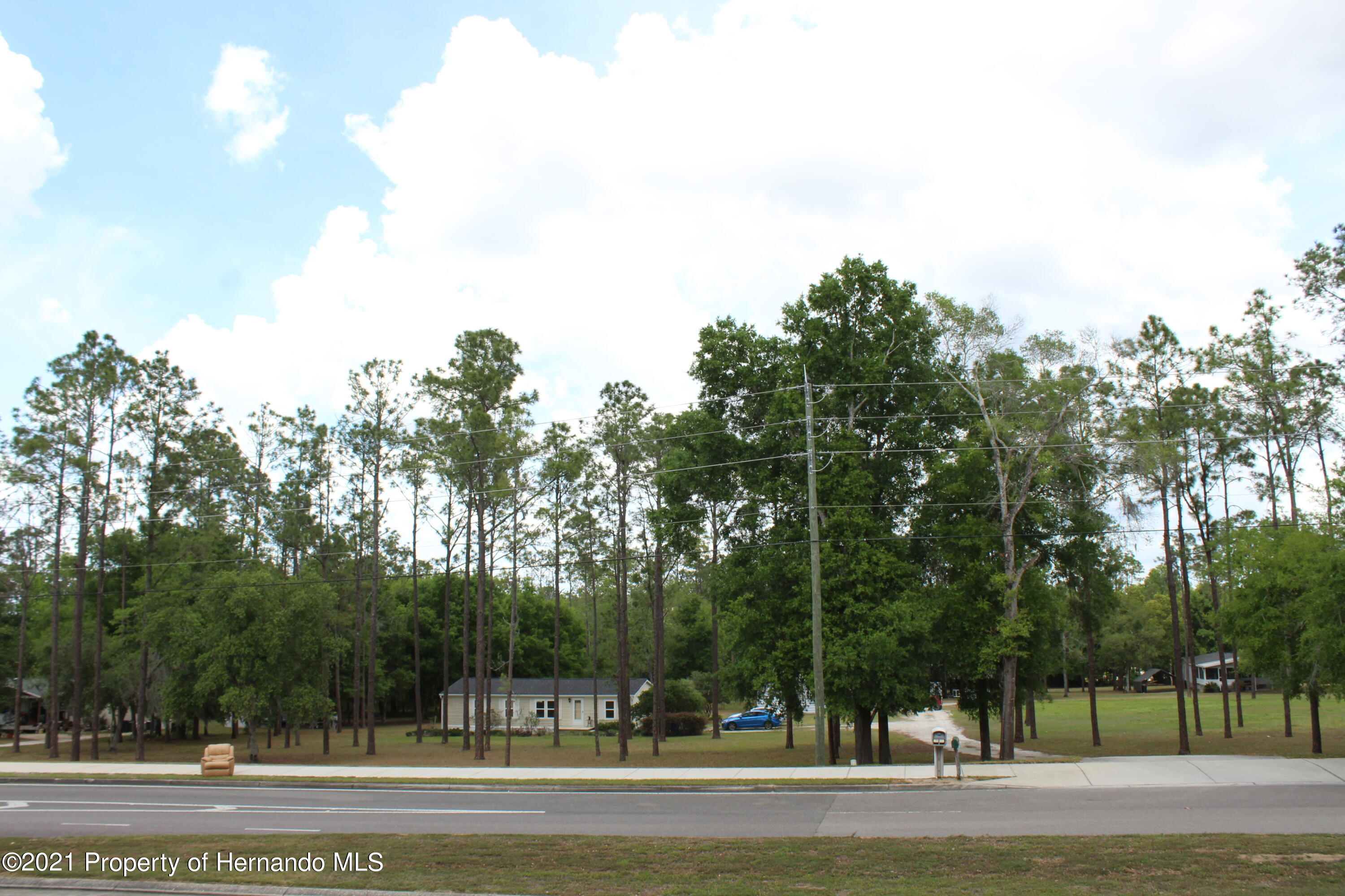 Listing photo id 17 for 37731 Kossik Road