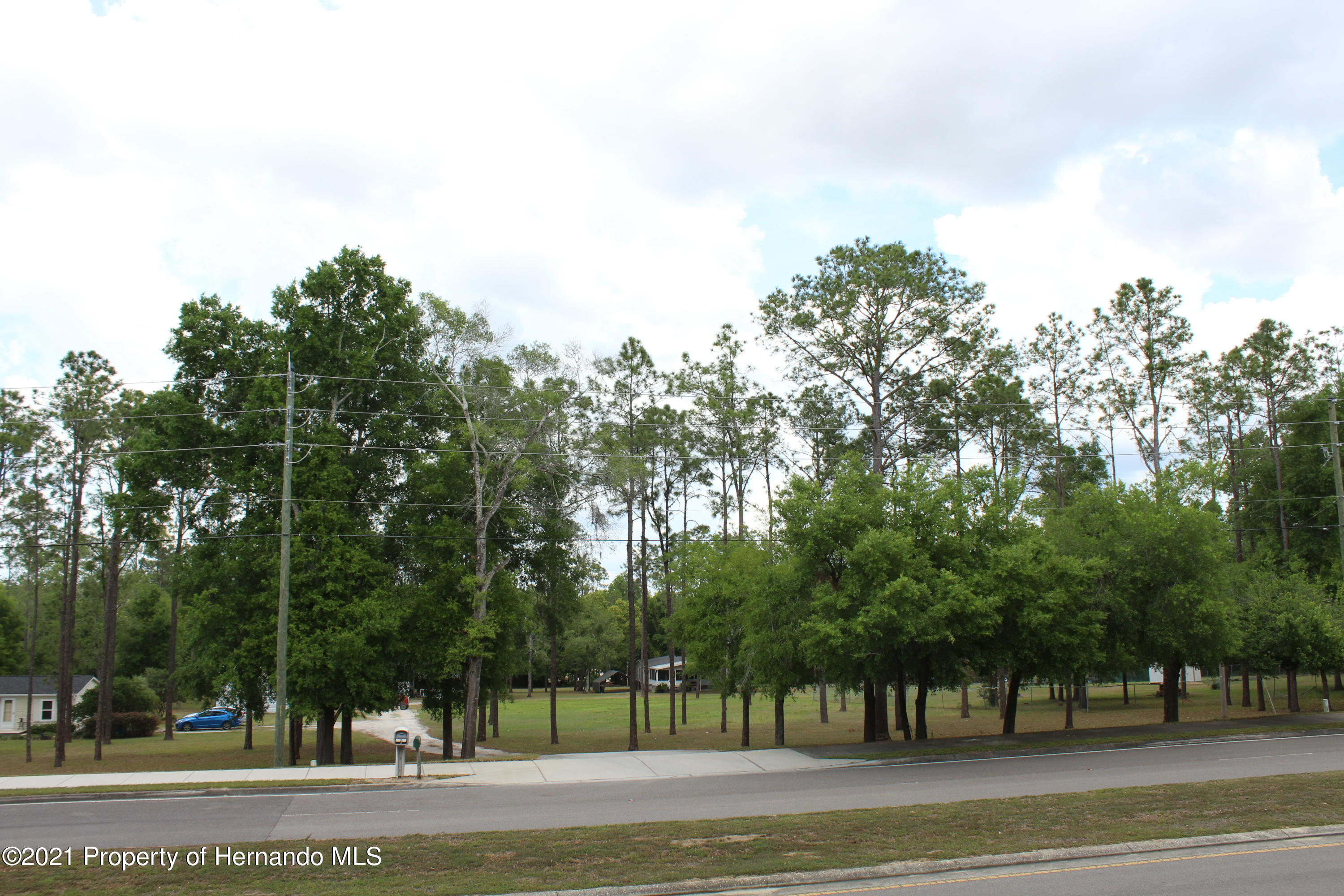 Listing photo id 18 for 37731 Kossik Road