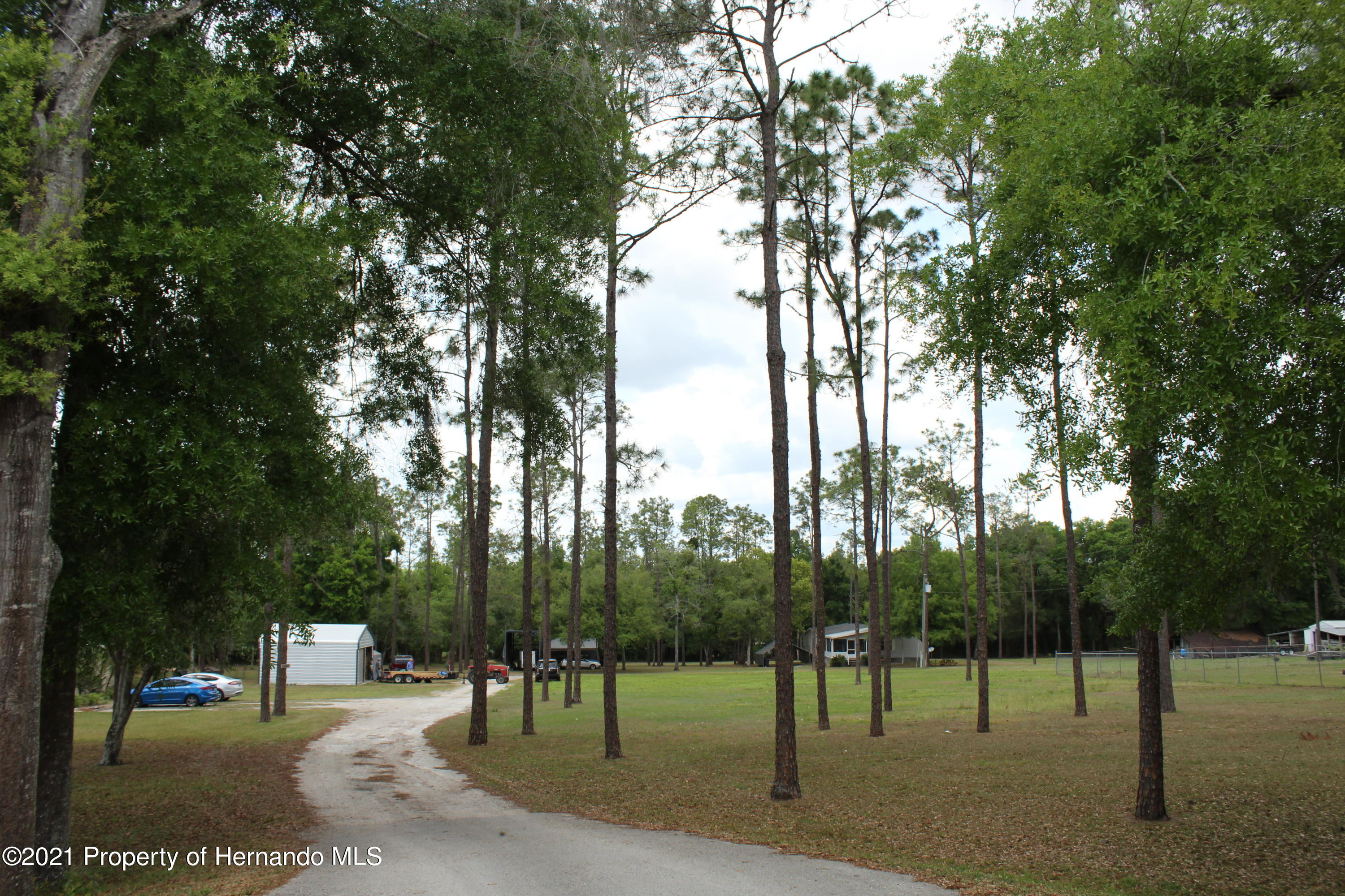 Listing photo id 20 for 37731 Kossik Road