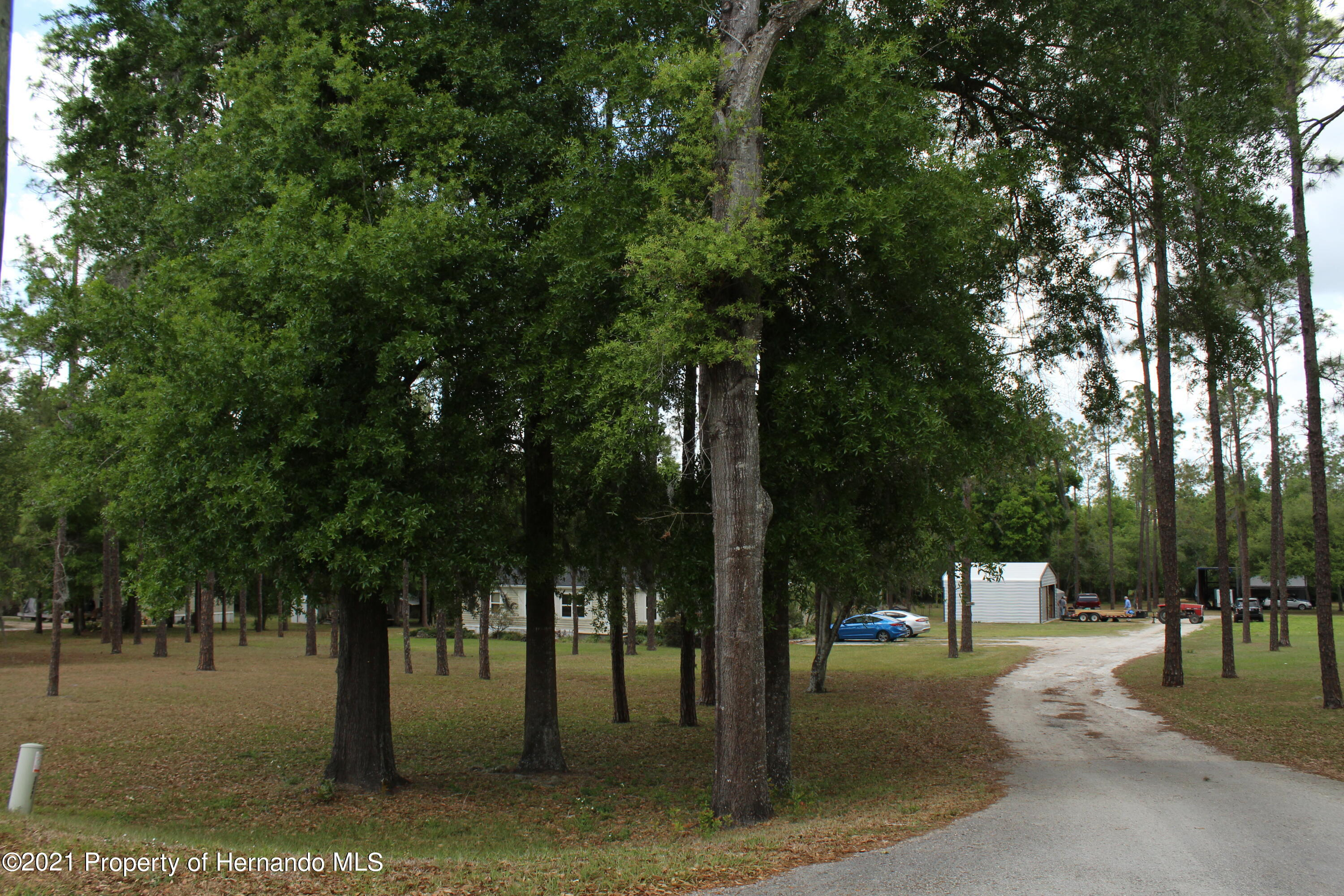 Listing photo id 21 for 37731 Kossik Road