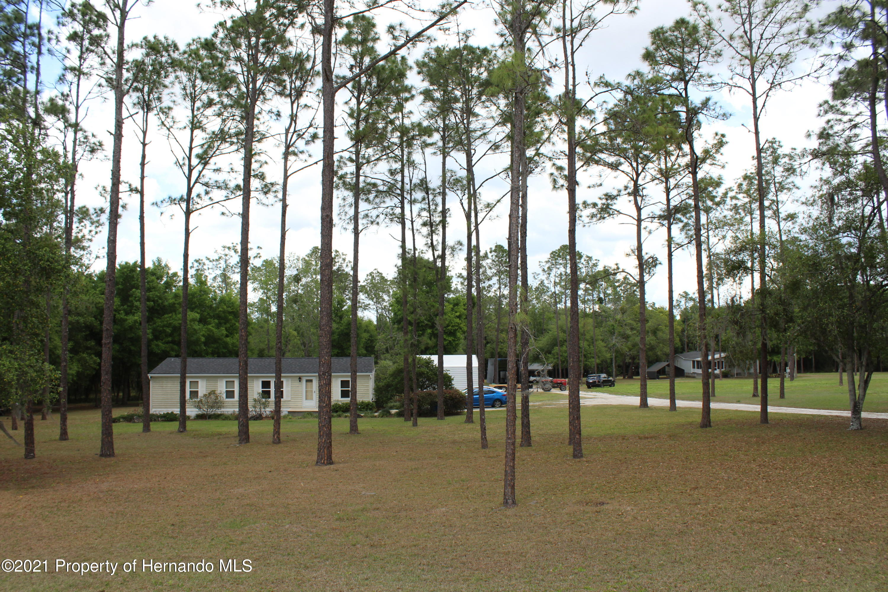 Listing photo id 22 for 37731 Kossik Road