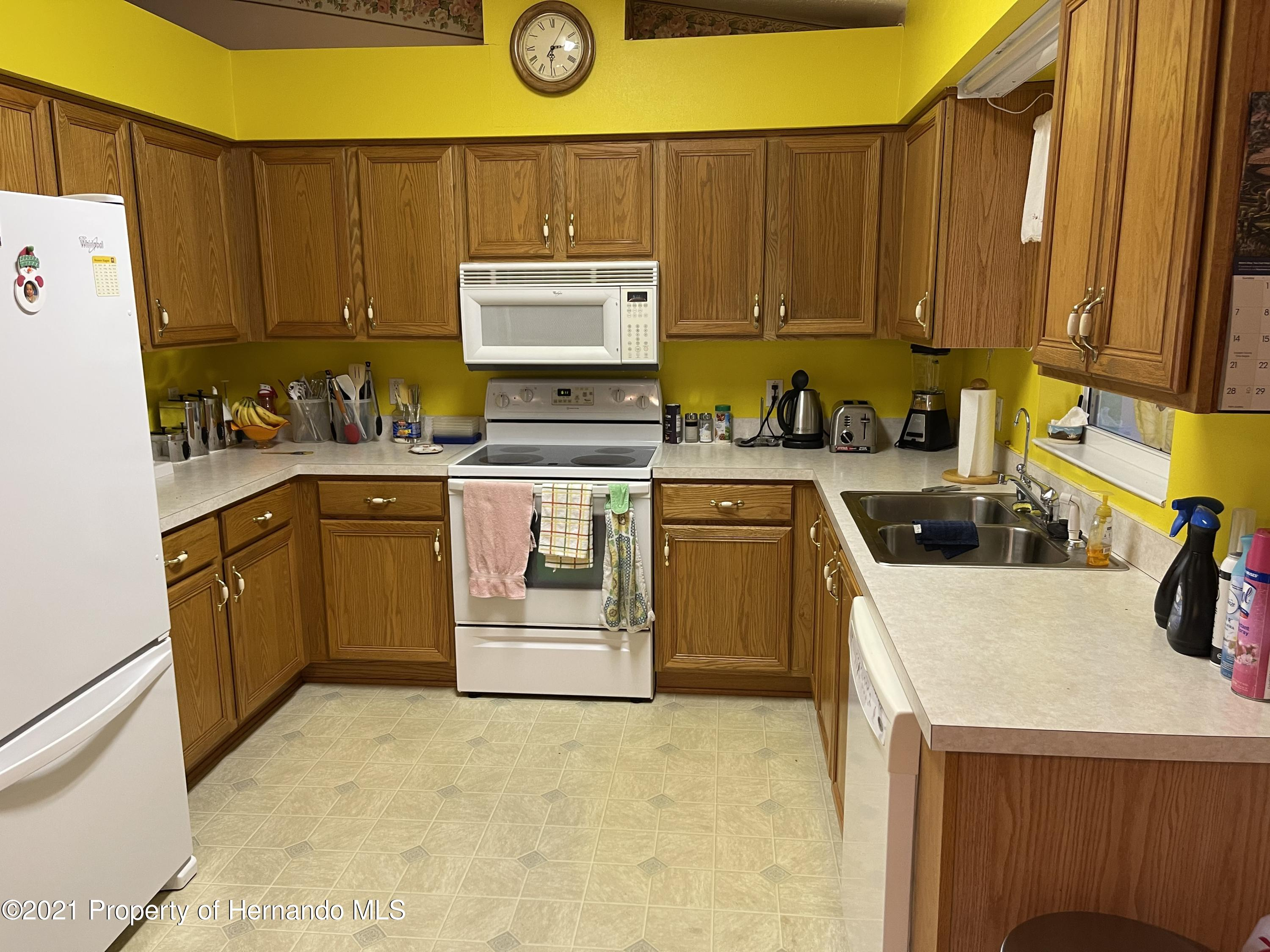 Listing photo id 9 for 6548 W Pelican Lane