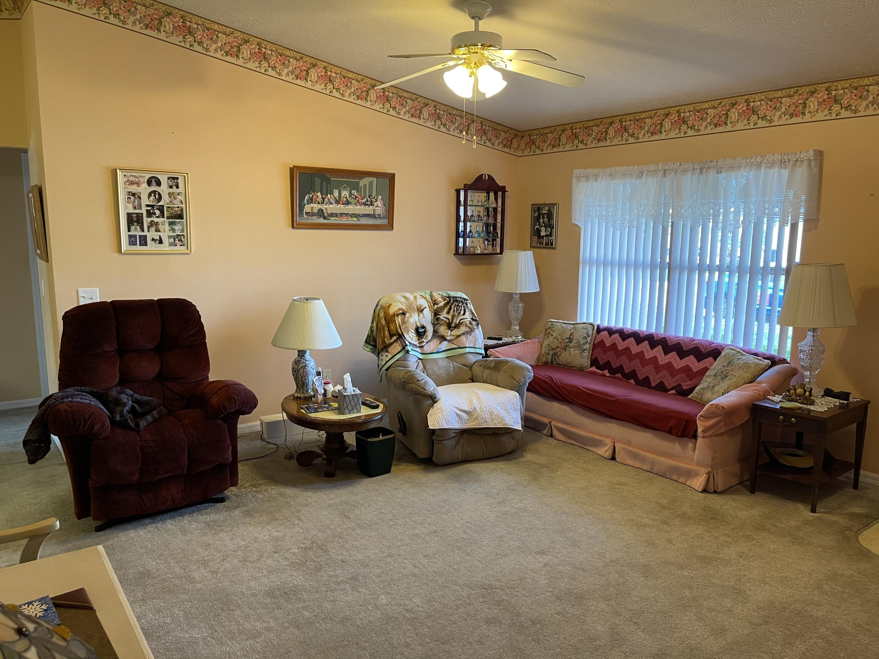 Listing photo id 11 for 6548 W Pelican Lane