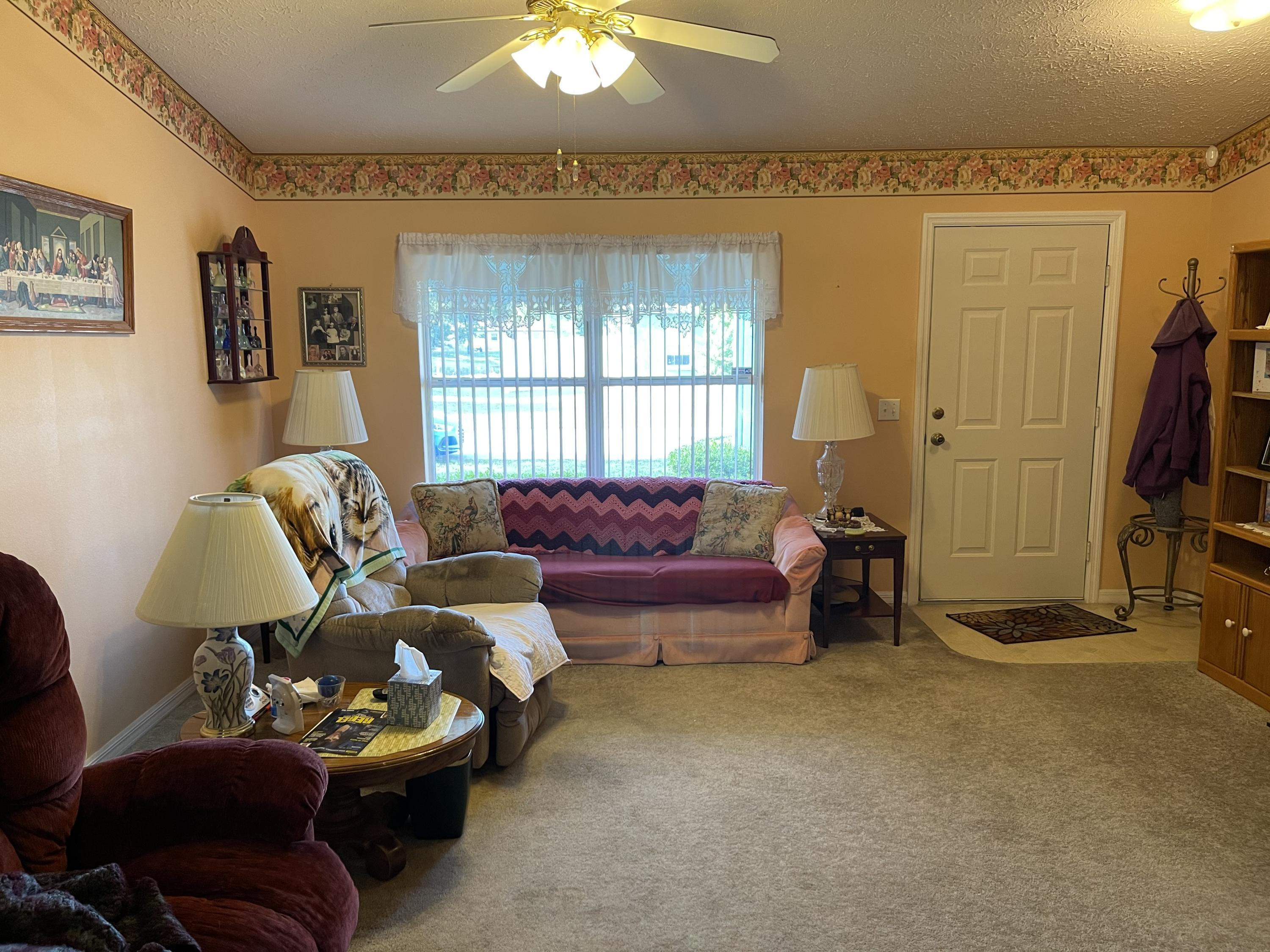 Listing photo id 12 for 6548 W Pelican Lane