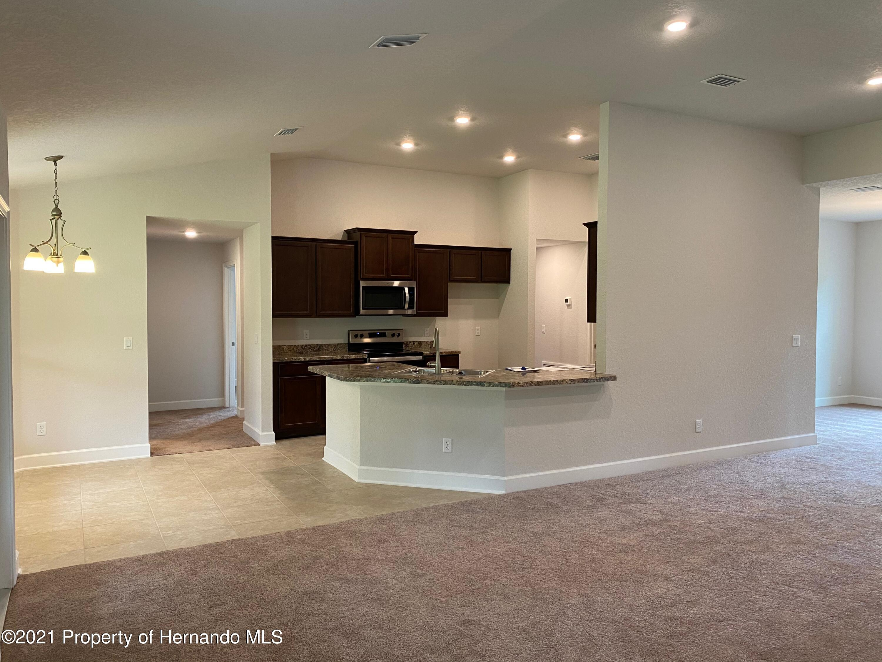 Listing photo id 5 for 145 Linder Drive
